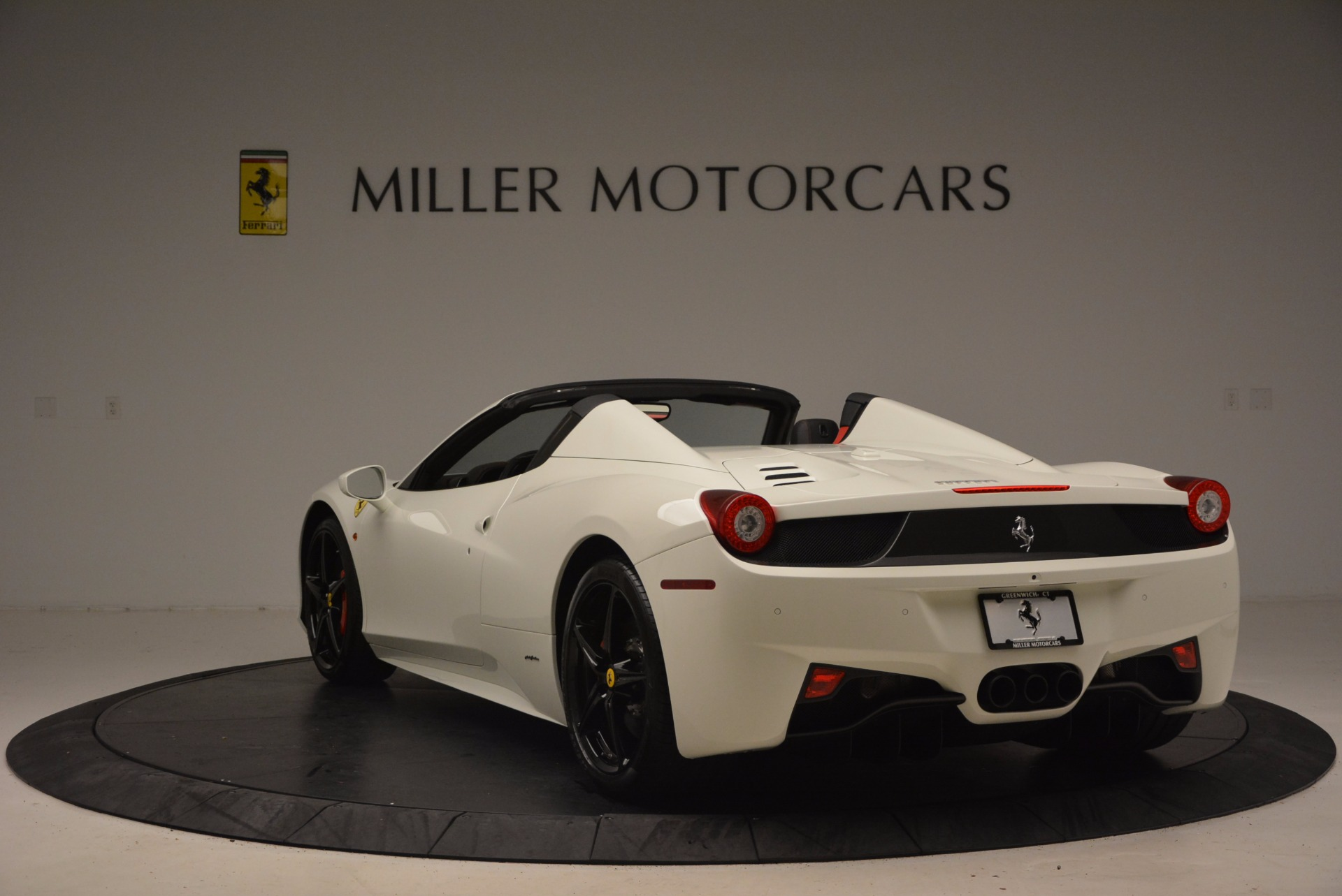 Used 2015 Ferrari 458 Spider  For Sale In Greenwich, CT. Alfa Romeo of Greenwich, 4417 1534_p5