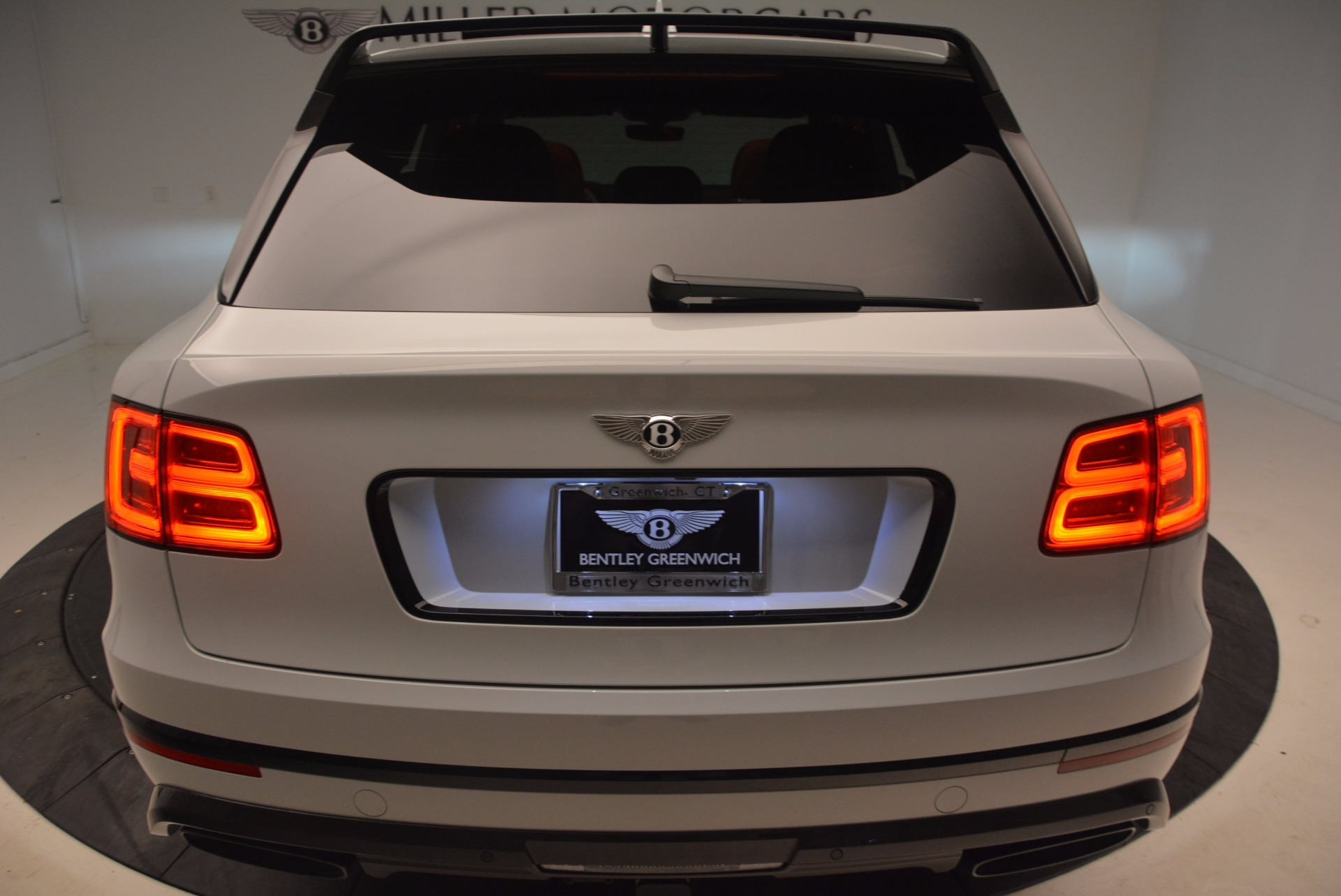 New 2018 Bentley Bentayga Black Edition For Sale In Greenwich, CT. Alfa Romeo of Greenwich, B1299 1542_p25