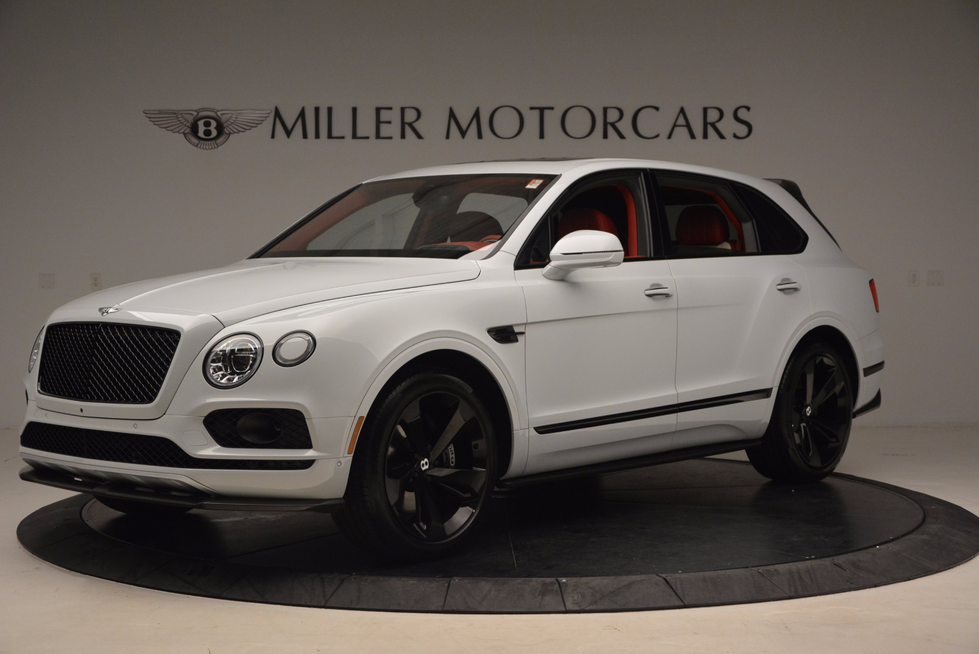 New 2018 Bentley Bentayga Black Edition For Sale In Greenwich, CT. Alfa Romeo of Greenwich, B1299 1542_p2