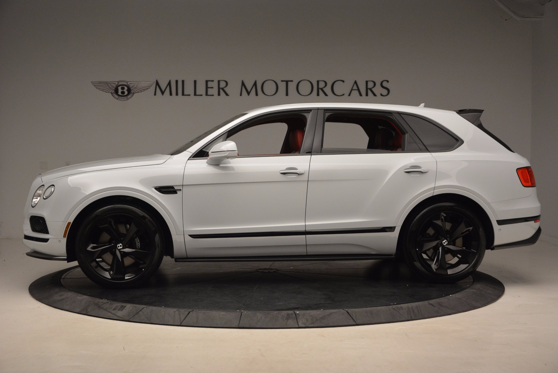 New 2018 Bentley Bentayga Black Edition For Sale In Greenwich, CT. Alfa Romeo of Greenwich, B1299 1542_p3