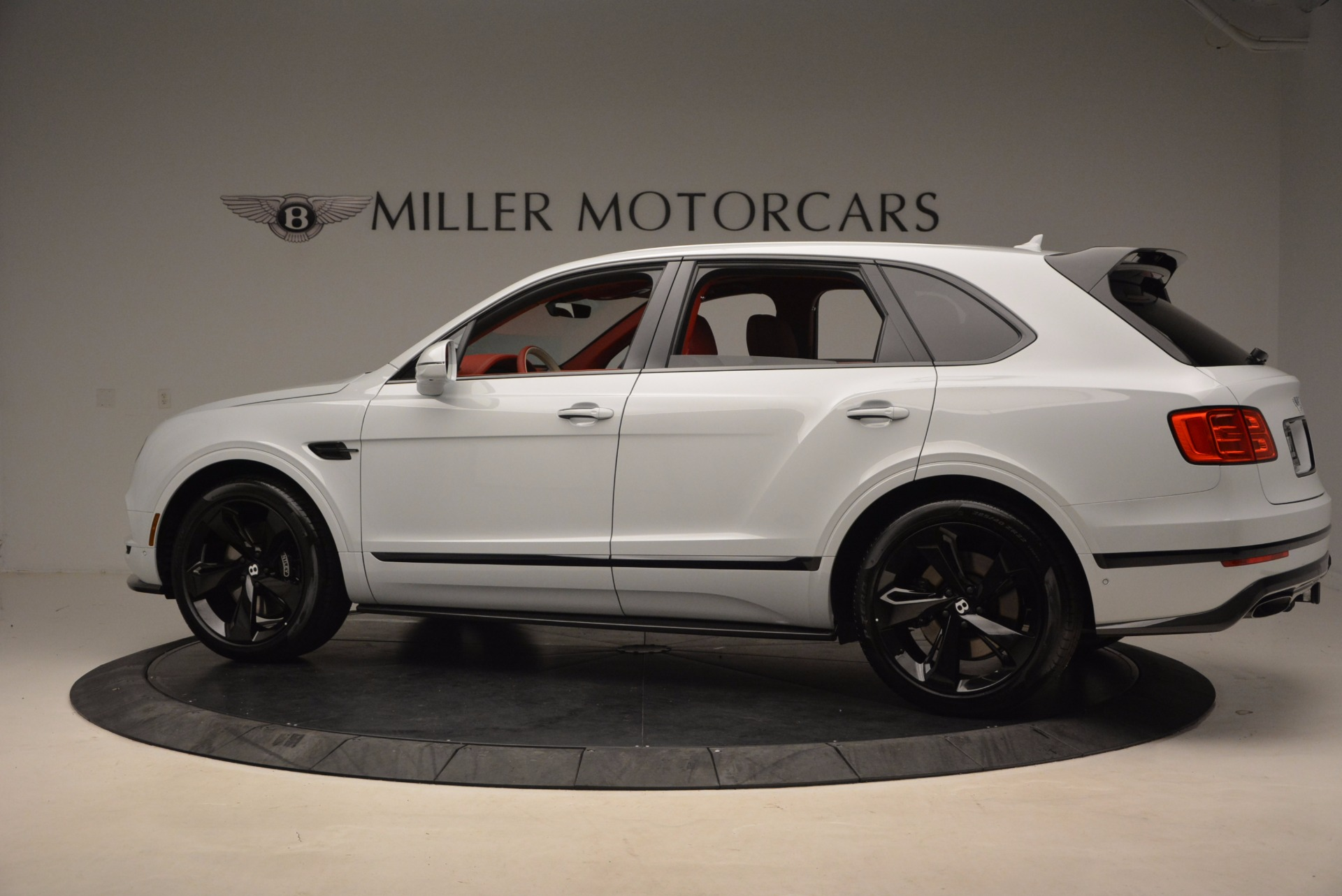 New 2018 Bentley Bentayga Black Edition For Sale In Greenwich, CT. Alfa Romeo of Greenwich, B1299 1542_p4