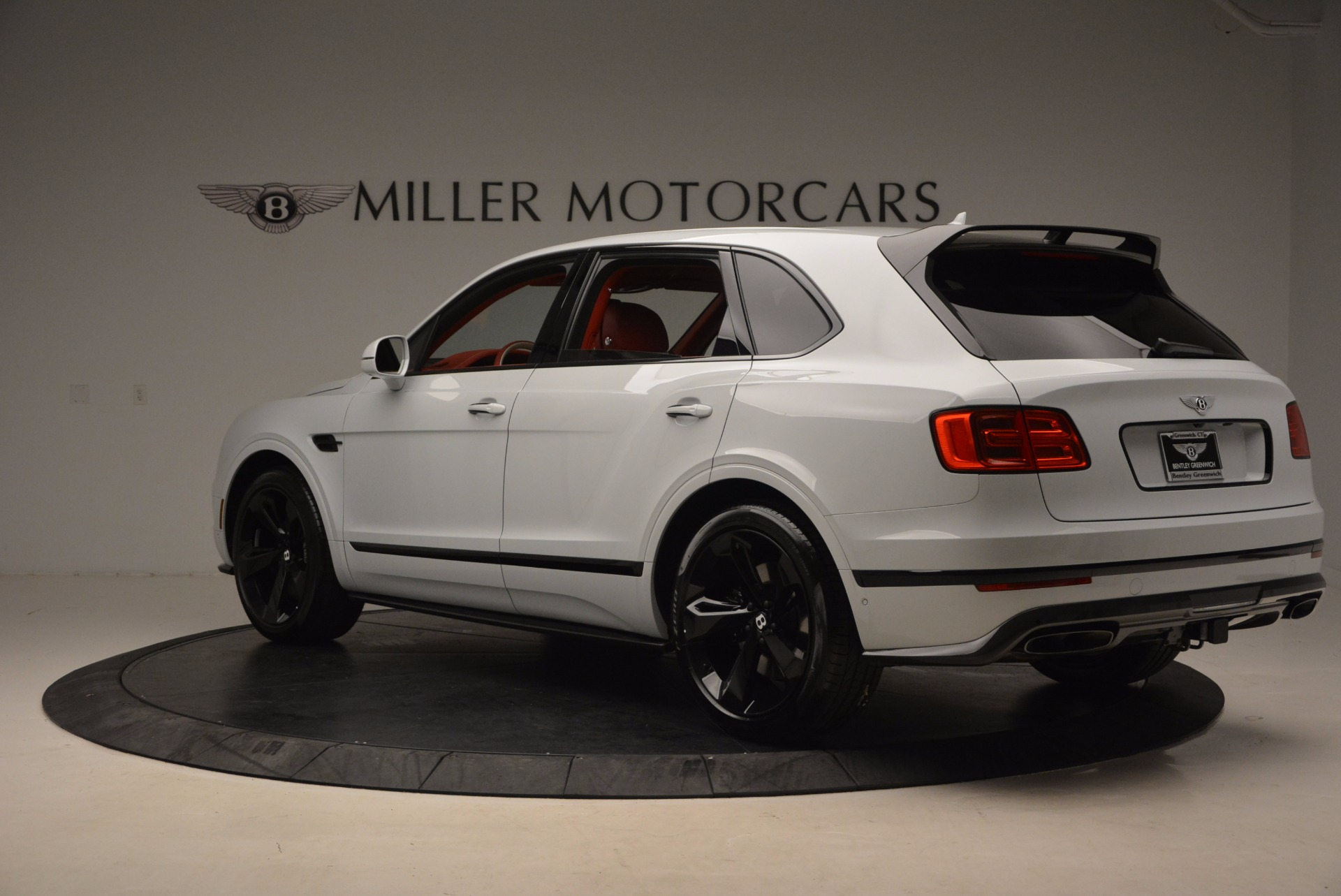 New 2018 Bentley Bentayga Black Edition For Sale In Greenwich, CT. Alfa Romeo of Greenwich, B1299 1542_p5