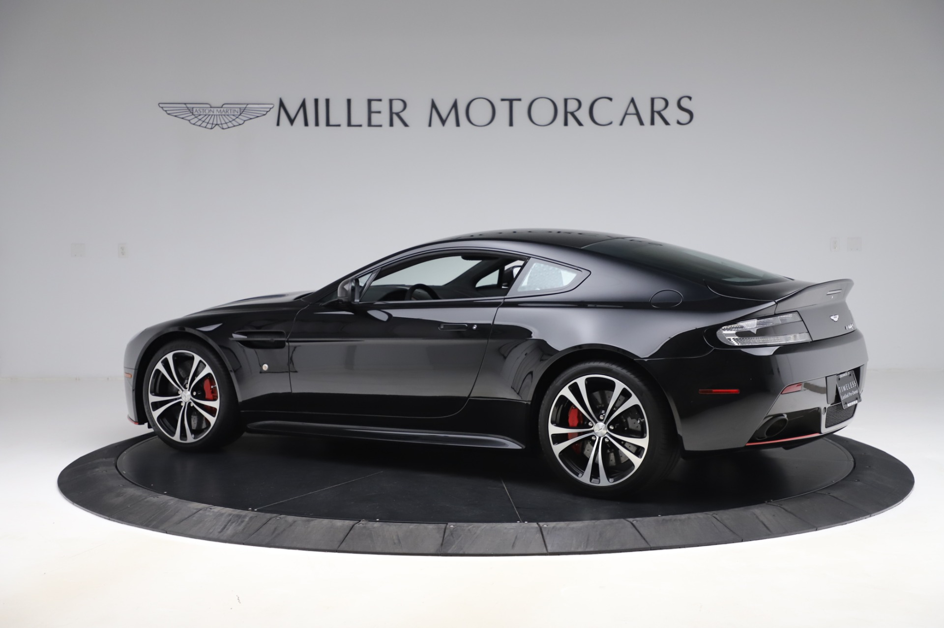 New 2017 Aston Martin V12 Vantage S  For Sale In Greenwich, CT. Alfa Romeo of Greenwich, A1254 1545_p3