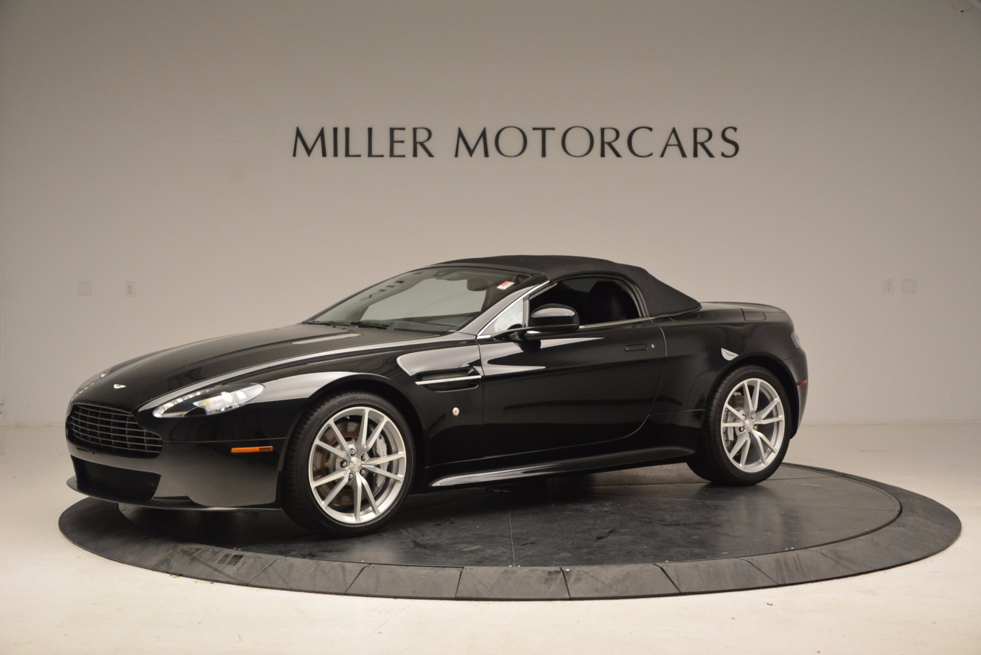 New 2016 Aston Martin V8 Vantage Roadster For Sale In Greenwich, CT. Alfa Romeo of Greenwich, A1213 1546_p14