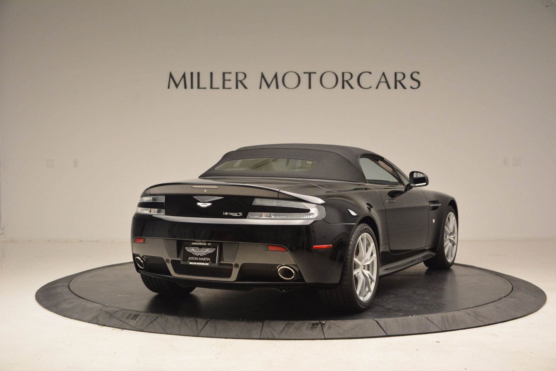 New 2016 Aston Martin V8 Vantage Roadster For Sale In Greenwich, CT. Alfa Romeo of Greenwich, A1213 1546_p19