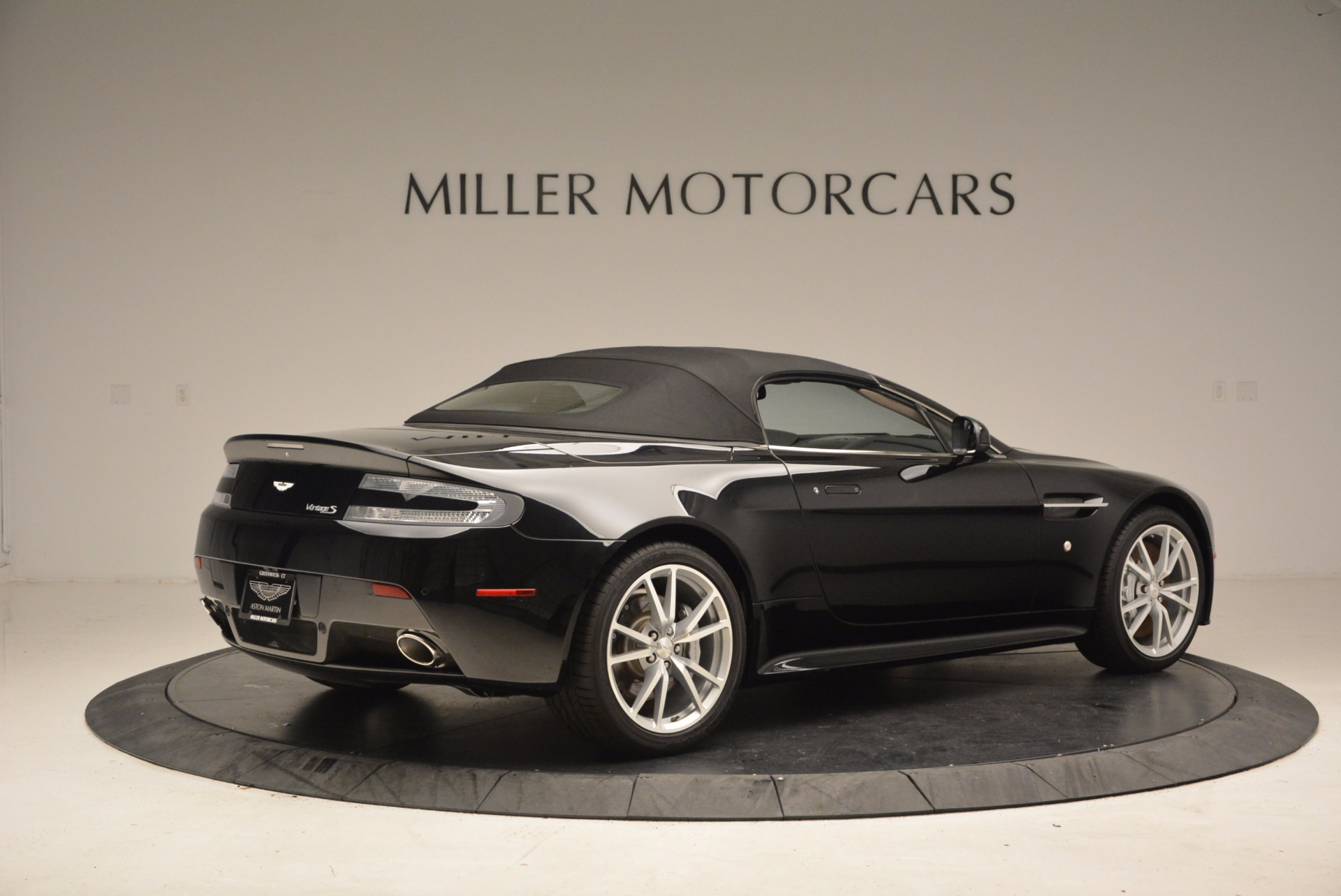 New 2016 Aston Martin V8 Vantage Roadster For Sale In Greenwich, CT. Alfa Romeo of Greenwich, A1213 1546_p20