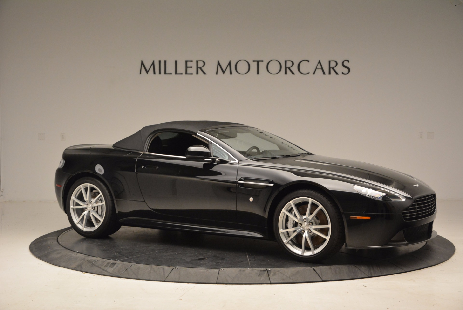 New 2016 Aston Martin V8 Vantage Roadster For Sale In Greenwich, CT. Alfa Romeo of Greenwich, A1213 1546_p22