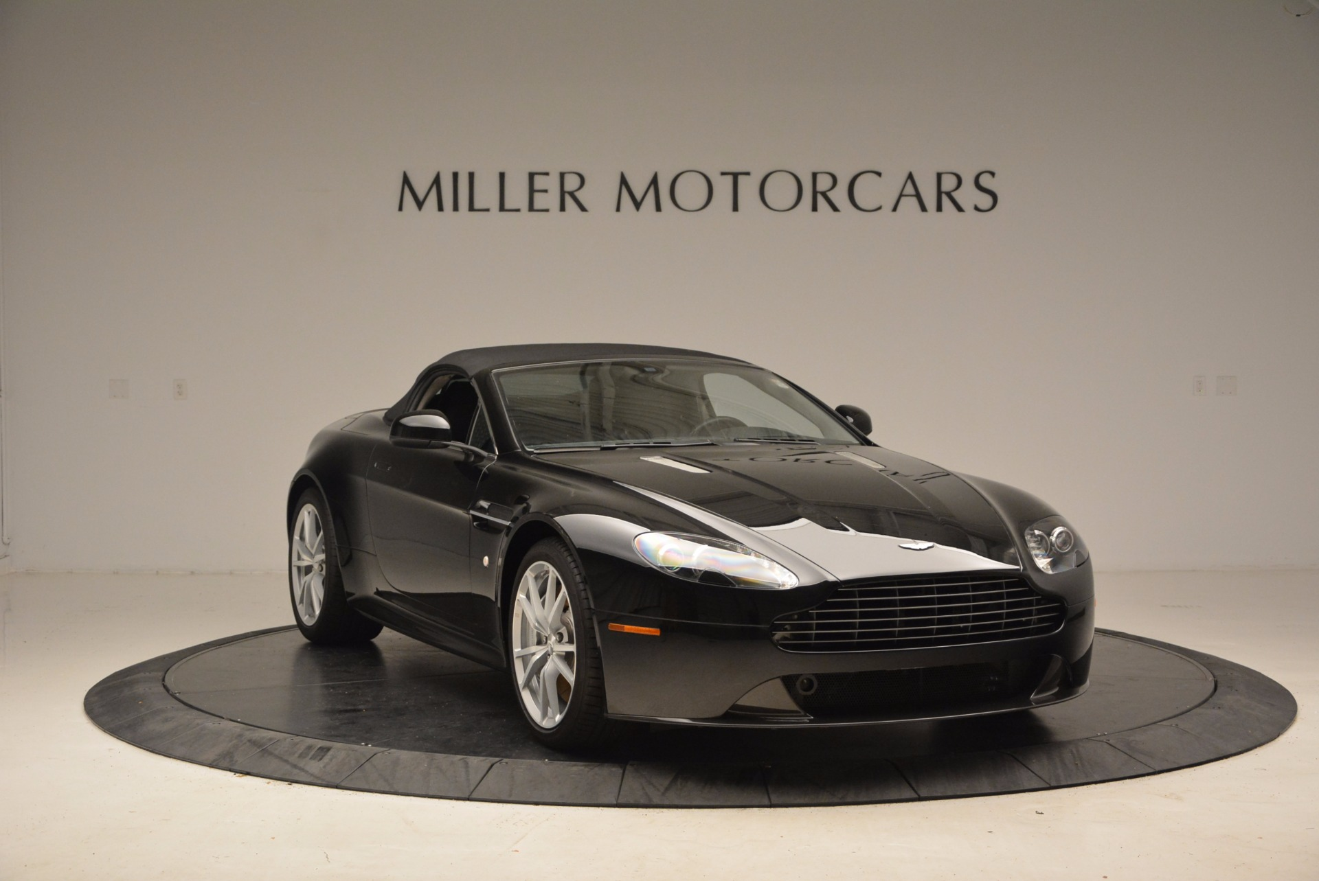 New 2016 Aston Martin V8 Vantage Roadster For Sale In Greenwich, CT. Alfa Romeo of Greenwich, A1213 1546_p23