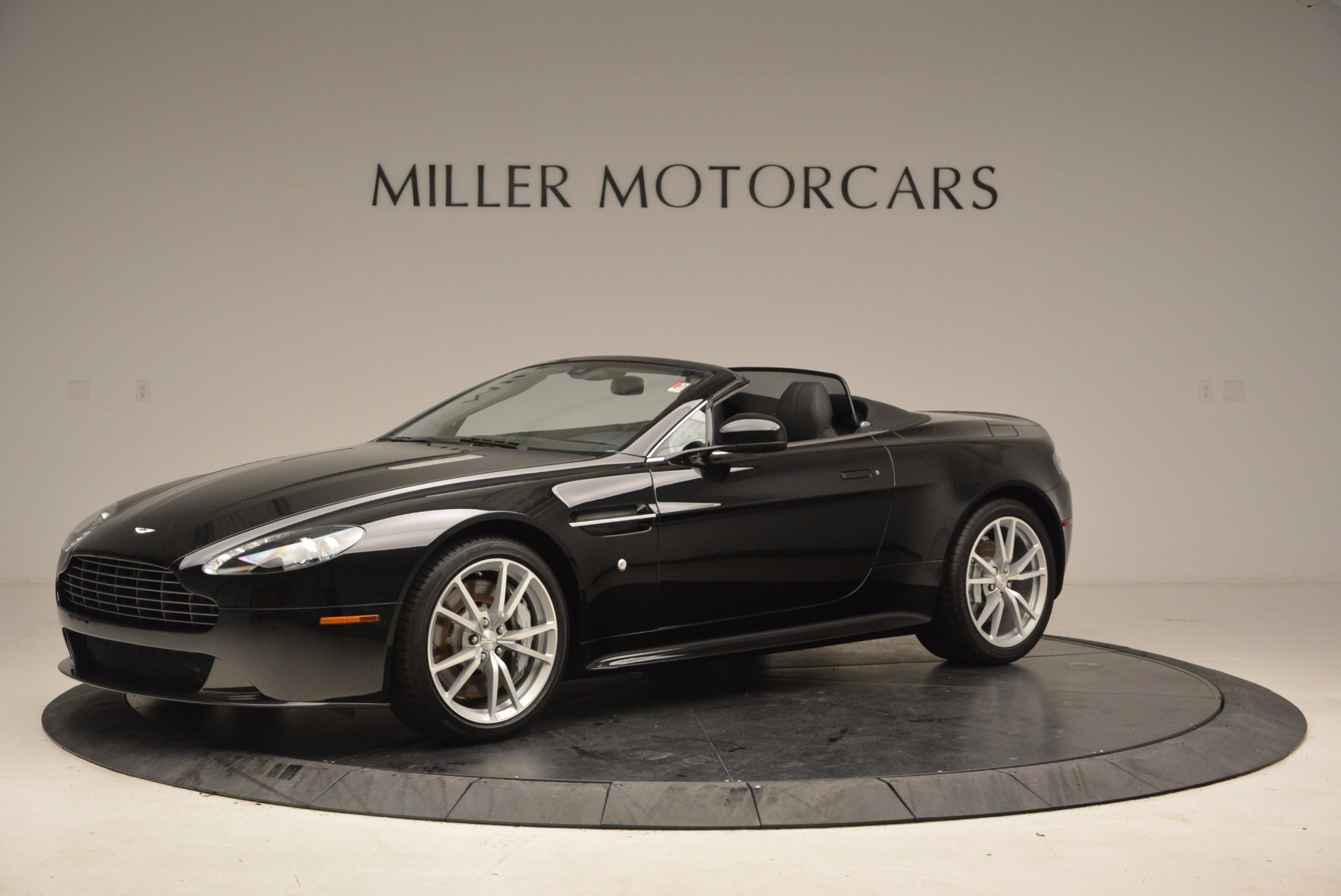 New 2016 Aston Martin V8 Vantage Roadster For Sale In Greenwich, CT. Alfa Romeo of Greenwich, A1213 1546_p2