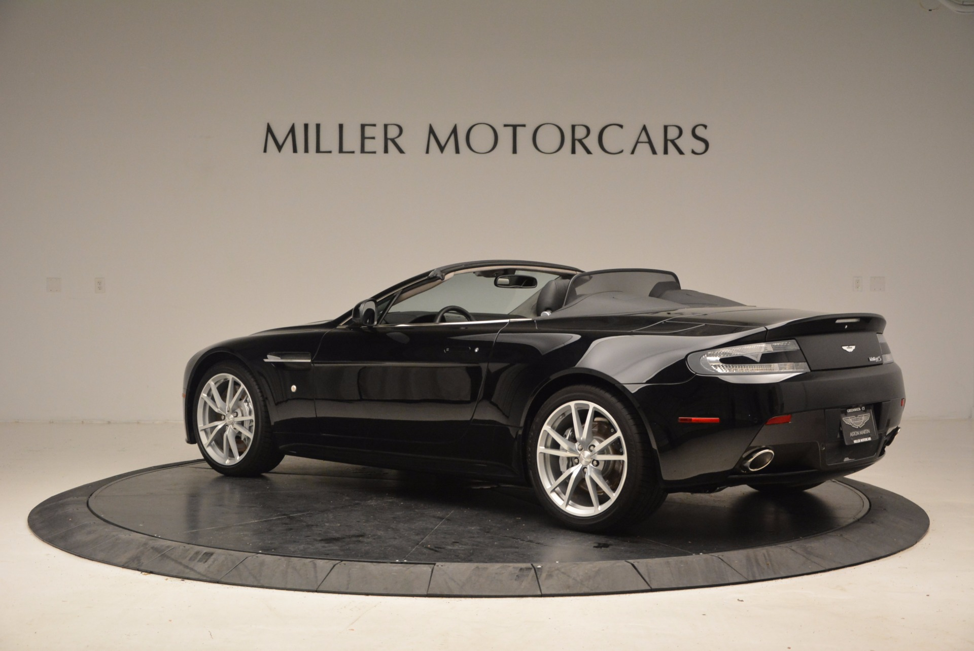 New 2016 Aston Martin V8 Vantage Roadster For Sale In Greenwich, CT. Alfa Romeo of Greenwich, A1213 1546_p4