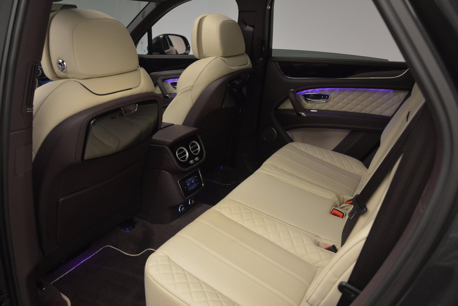 New 2018 Bentley Bentayga Signature For Sale In Greenwich, CT. Alfa Romeo of Greenwich, B1300 1547_p30