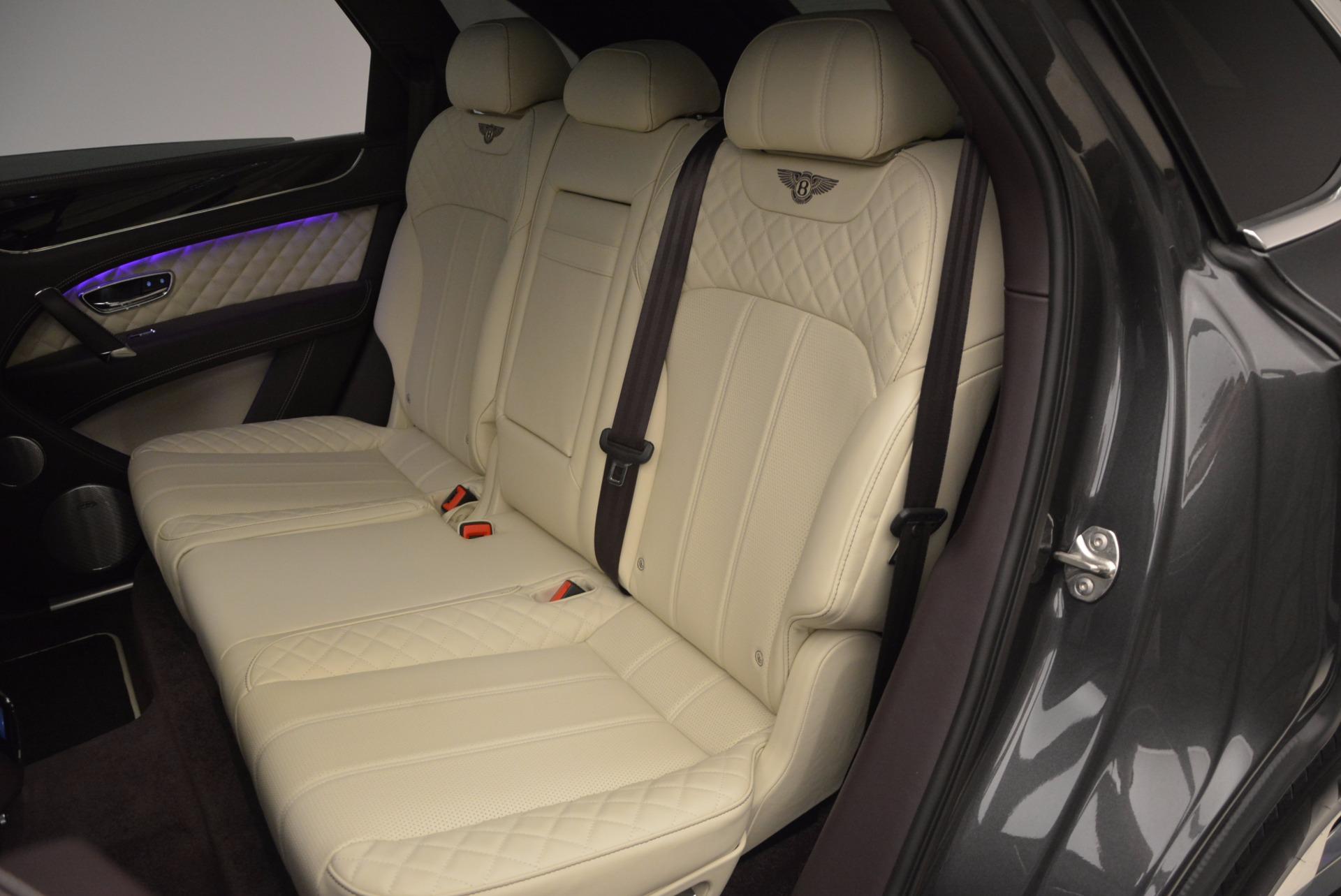 New 2018 Bentley Bentayga Signature For Sale In Greenwich, CT. Alfa Romeo of Greenwich, B1300 1547_p32