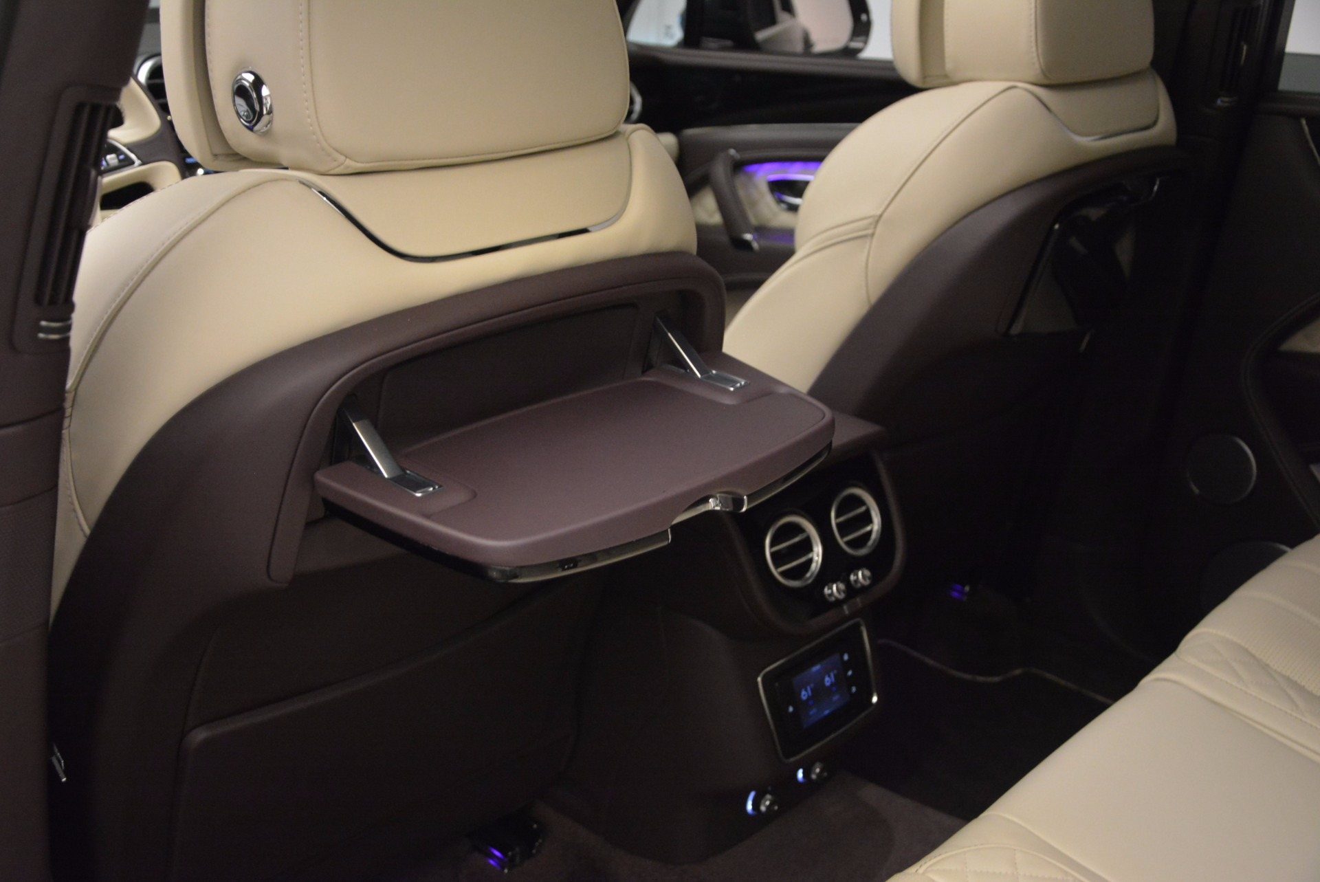 New 2018 Bentley Bentayga Signature For Sale In Greenwich, CT. Alfa Romeo of Greenwich, B1300 1547_p33