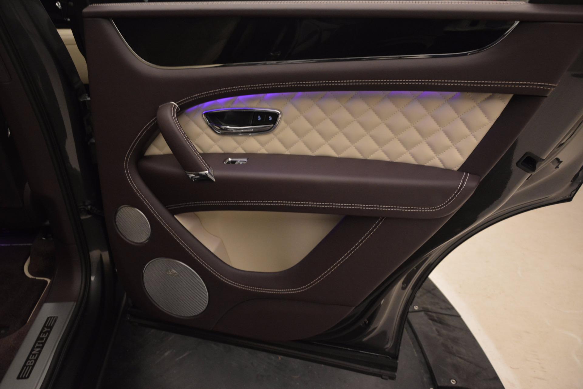 New 2018 Bentley Bentayga Signature For Sale In Greenwich, CT. Alfa Romeo of Greenwich, B1300 1547_p37