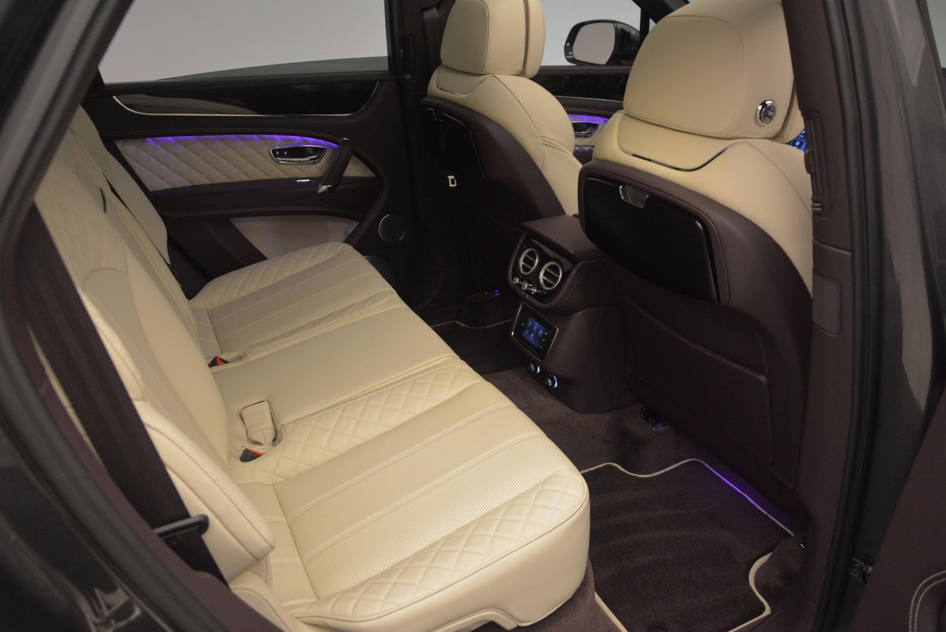 New 2018 Bentley Bentayga Signature For Sale In Greenwich, CT. Alfa Romeo of Greenwich, B1300 1547_p39