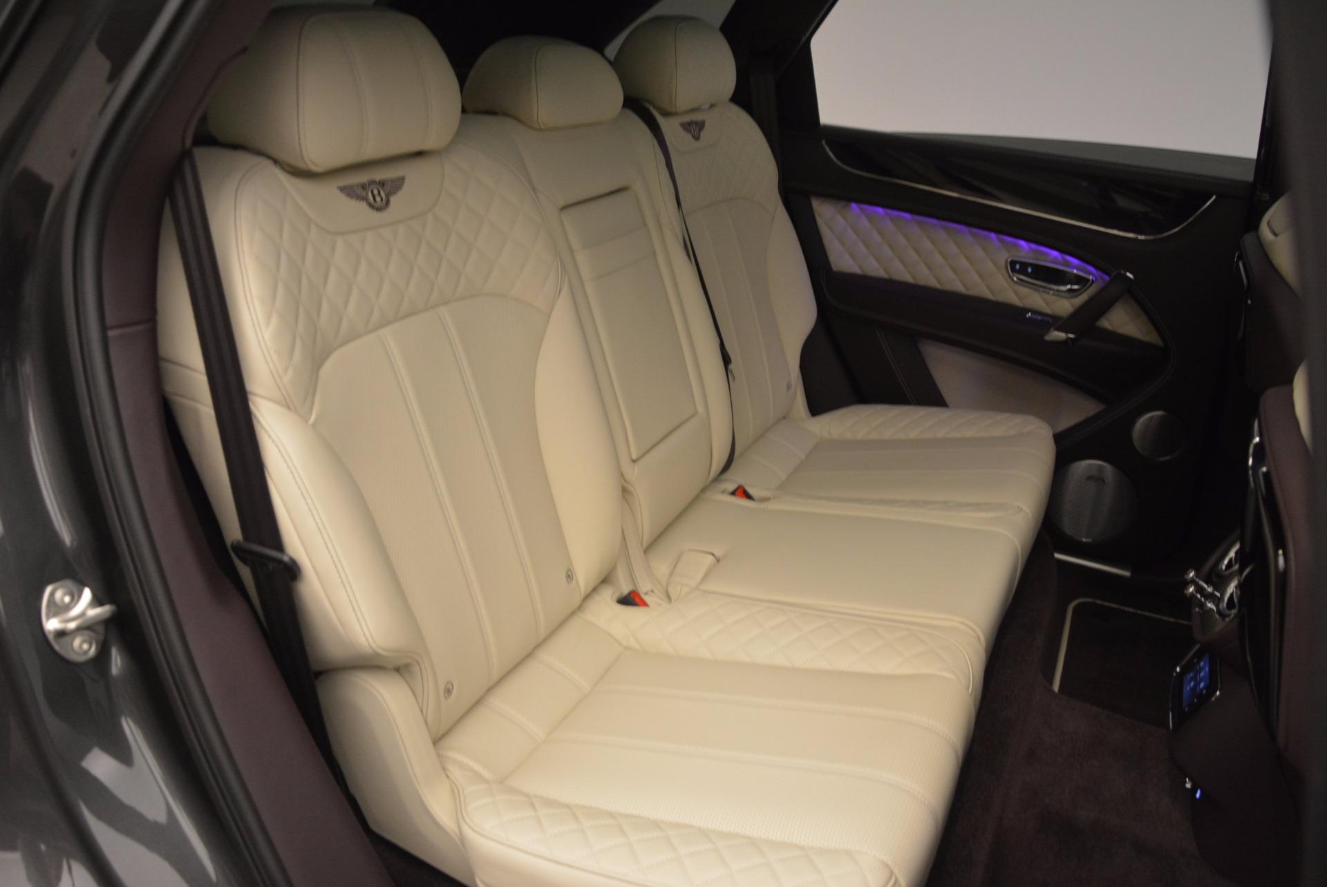 New 2018 Bentley Bentayga Signature For Sale In Greenwich, CT. Alfa Romeo of Greenwich, B1300 1547_p41