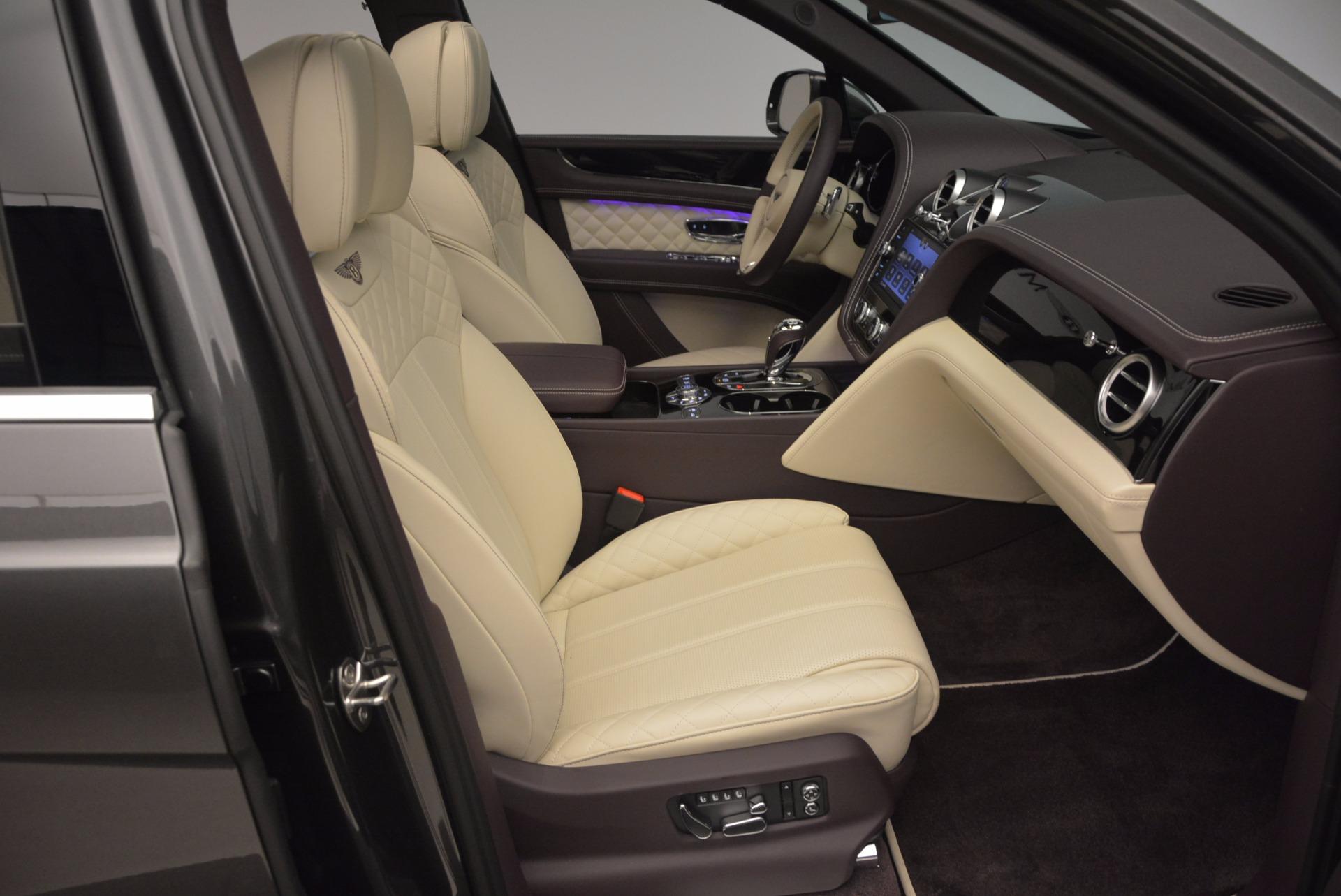 New 2018 Bentley Bentayga Signature For Sale In Greenwich, CT. Alfa Romeo of Greenwich, B1300 1547_p43