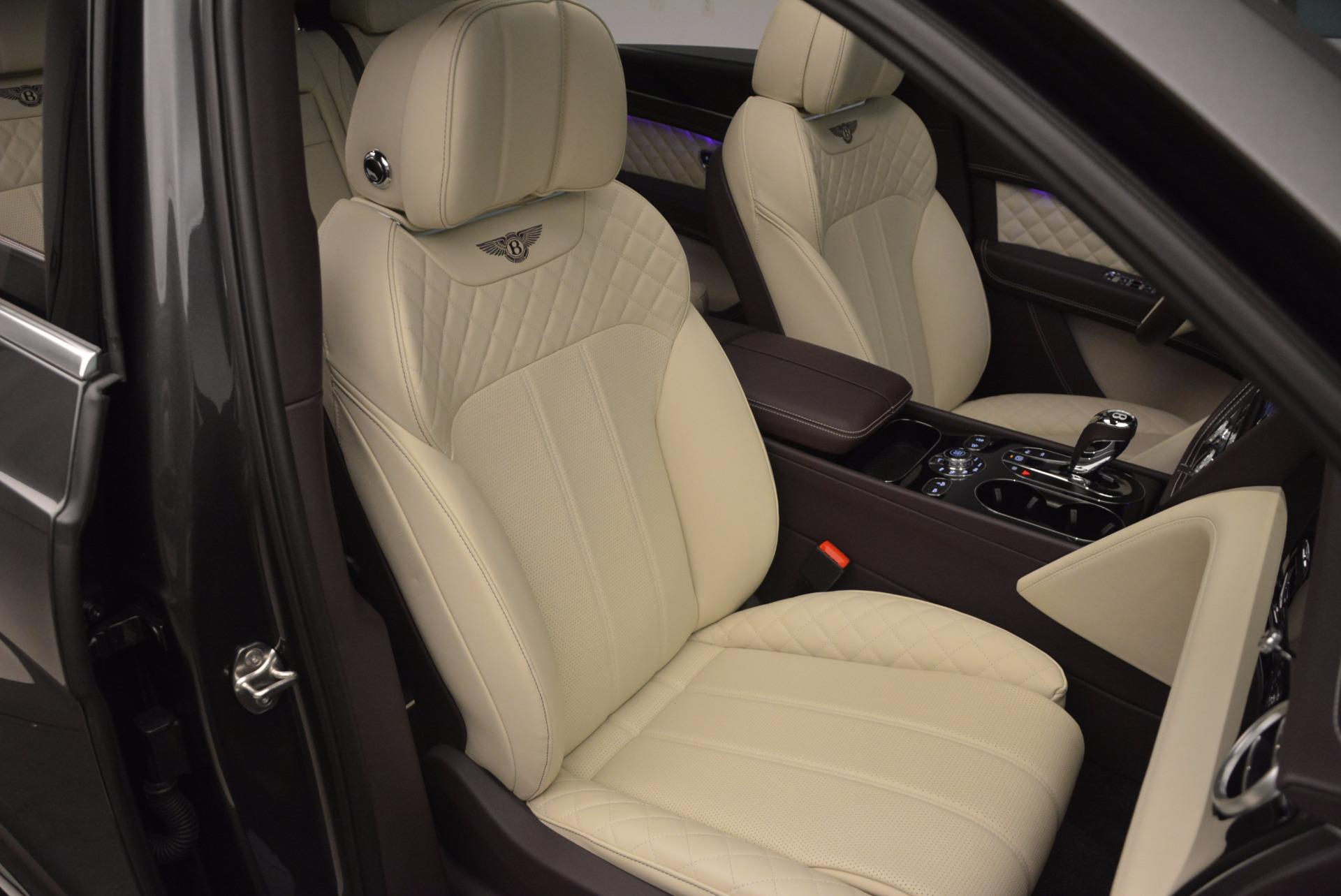 New 2018 Bentley Bentayga Signature For Sale In Greenwich, CT. Alfa Romeo of Greenwich, B1300 1547_p44