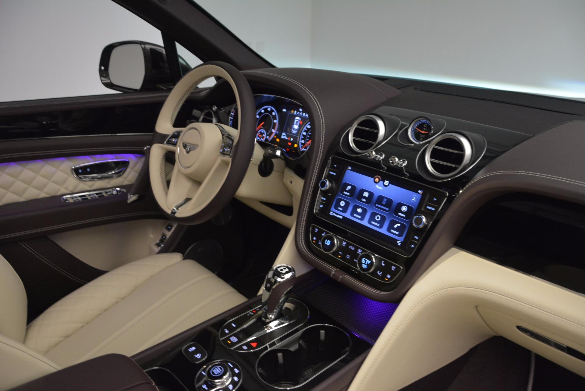 New 2018 Bentley Bentayga Signature For Sale In Greenwich, CT. Alfa Romeo of Greenwich, B1300 1547_p45