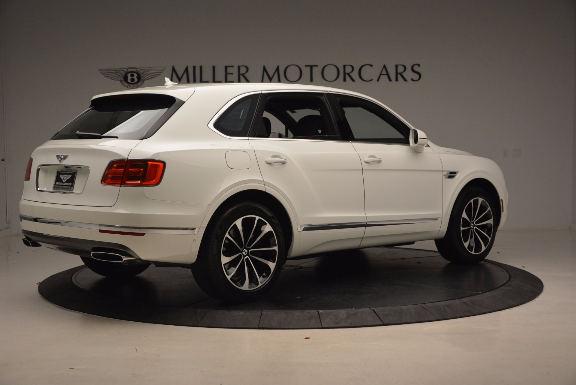 New 2018 Bentley Bentayga Onyx For Sale In Greenwich, CT. Alfa Romeo of Greenwich, B1302 1548_p8