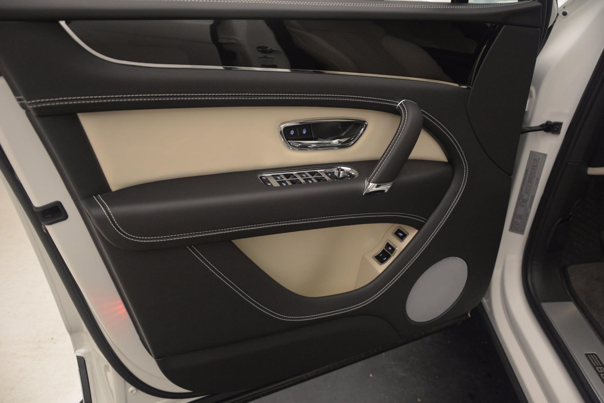 Used 2018 Bentley Bentayga Onyx For Sale In Greenwich, CT. Alfa Romeo of Greenwich, 7485 1549_p15