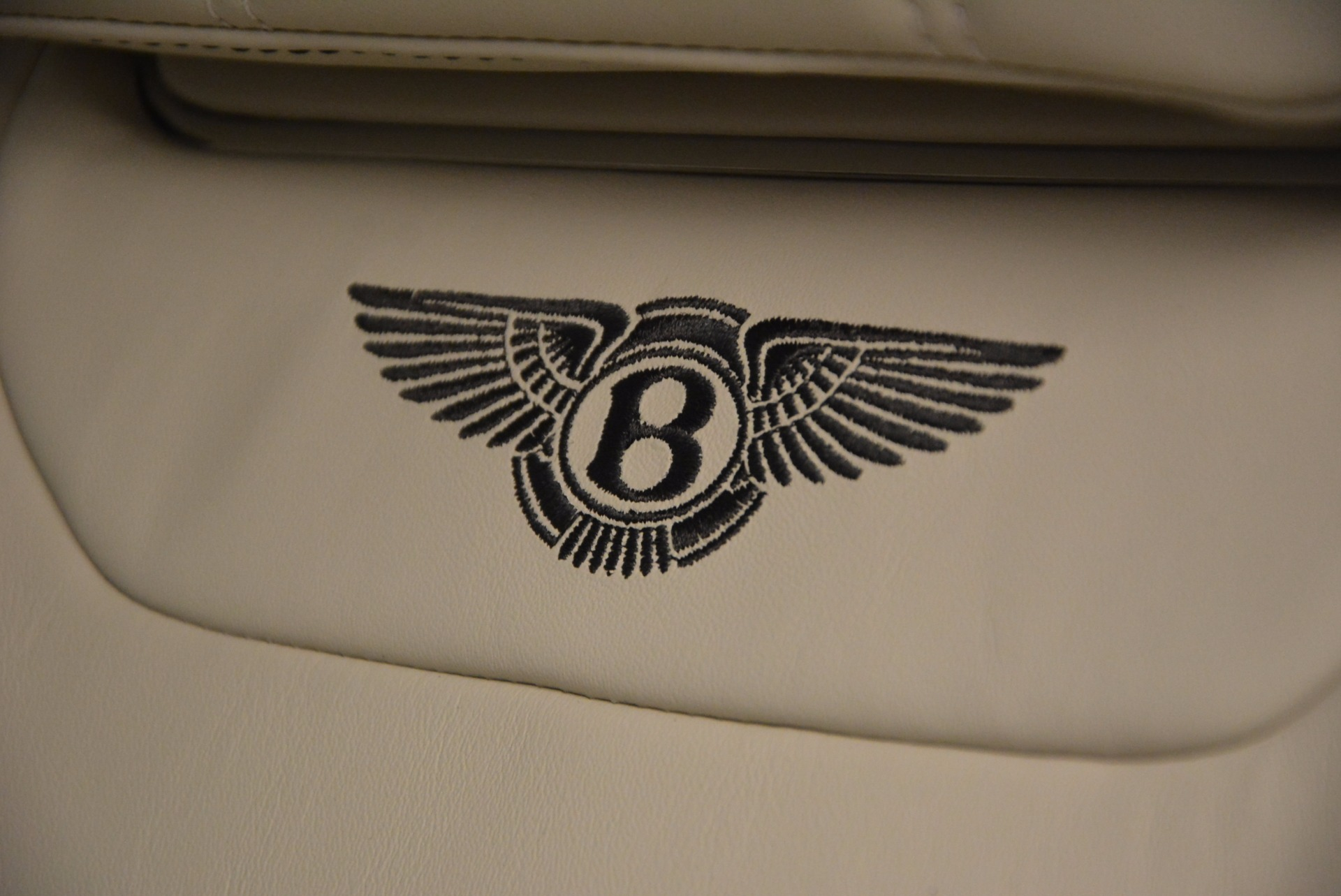 Used 2018 Bentley Bentayga Onyx For Sale In Greenwich, CT. Alfa Romeo of Greenwich, 7485 1549_p19