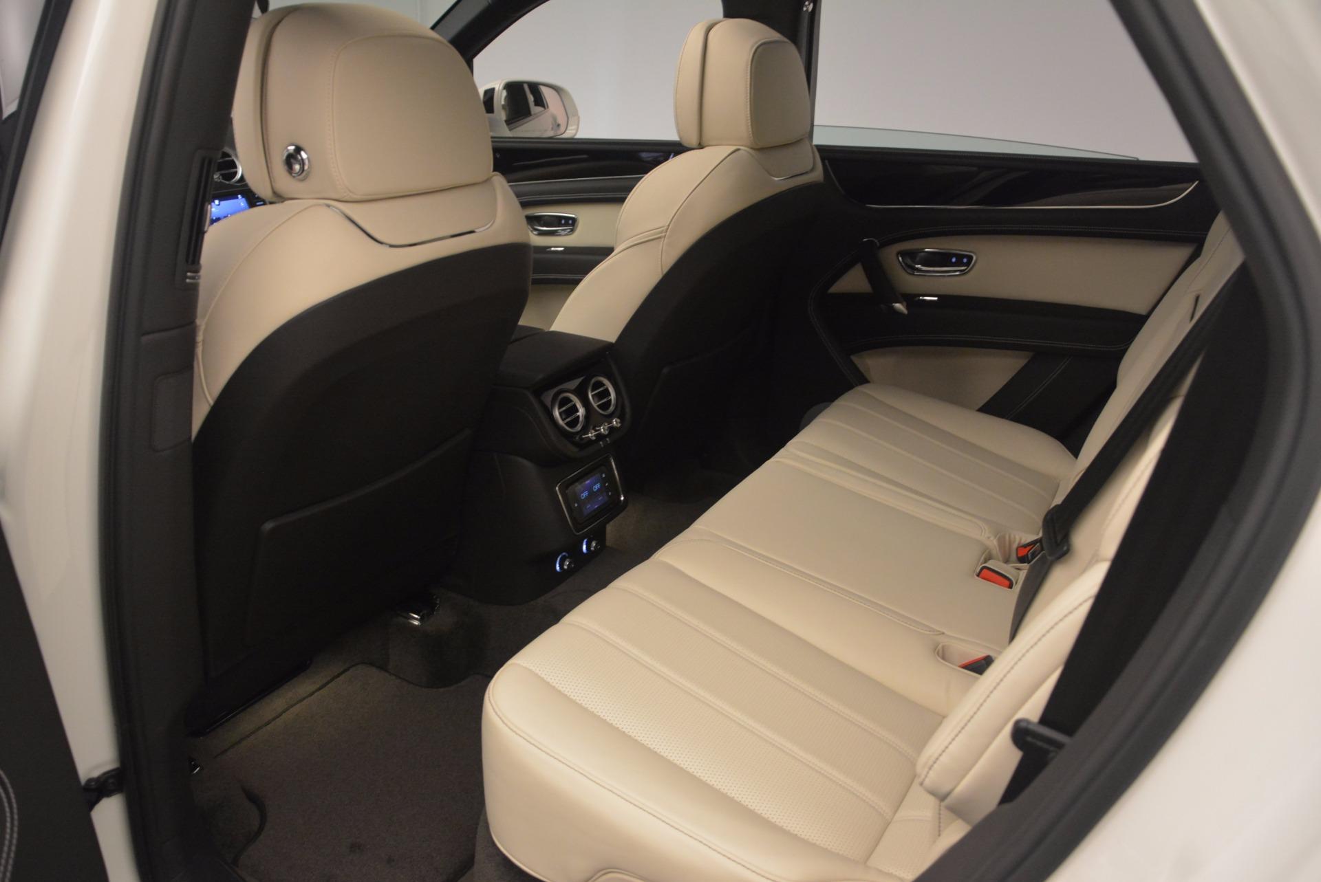 Used 2018 Bentley Bentayga Onyx For Sale In Greenwich, CT. Alfa Romeo of Greenwich, 7485 1549_p20