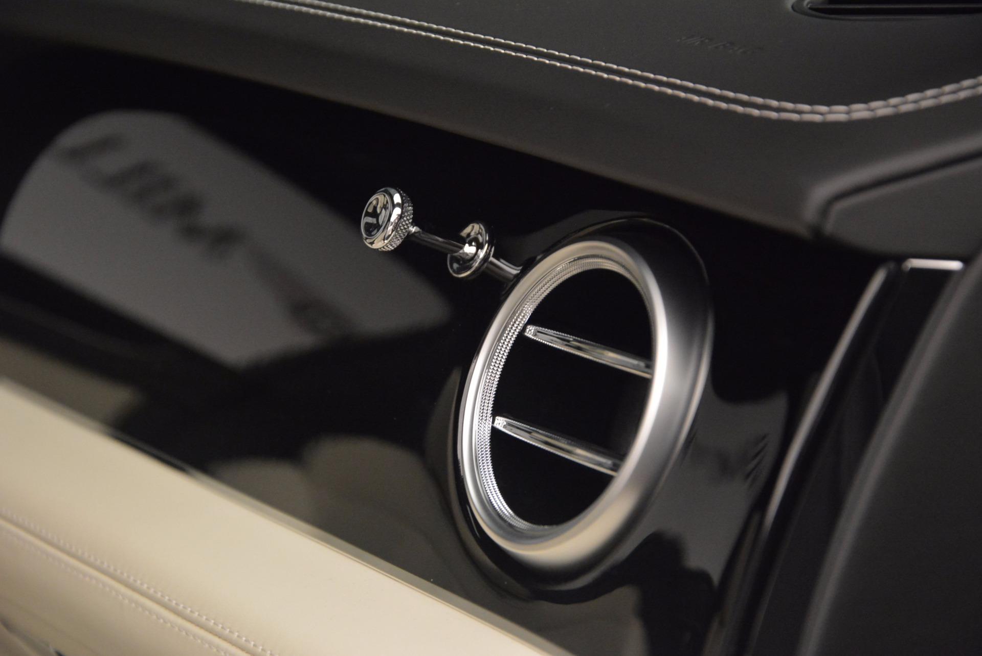 Used 2018 Bentley Bentayga Onyx For Sale In Greenwich, CT. Alfa Romeo of Greenwich, 7485 1549_p22