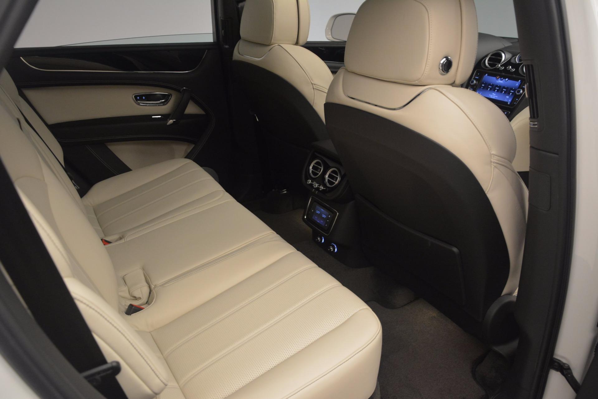 Used 2018 Bentley Bentayga Onyx For Sale In Greenwich, CT. Alfa Romeo of Greenwich, 7485 1549_p25