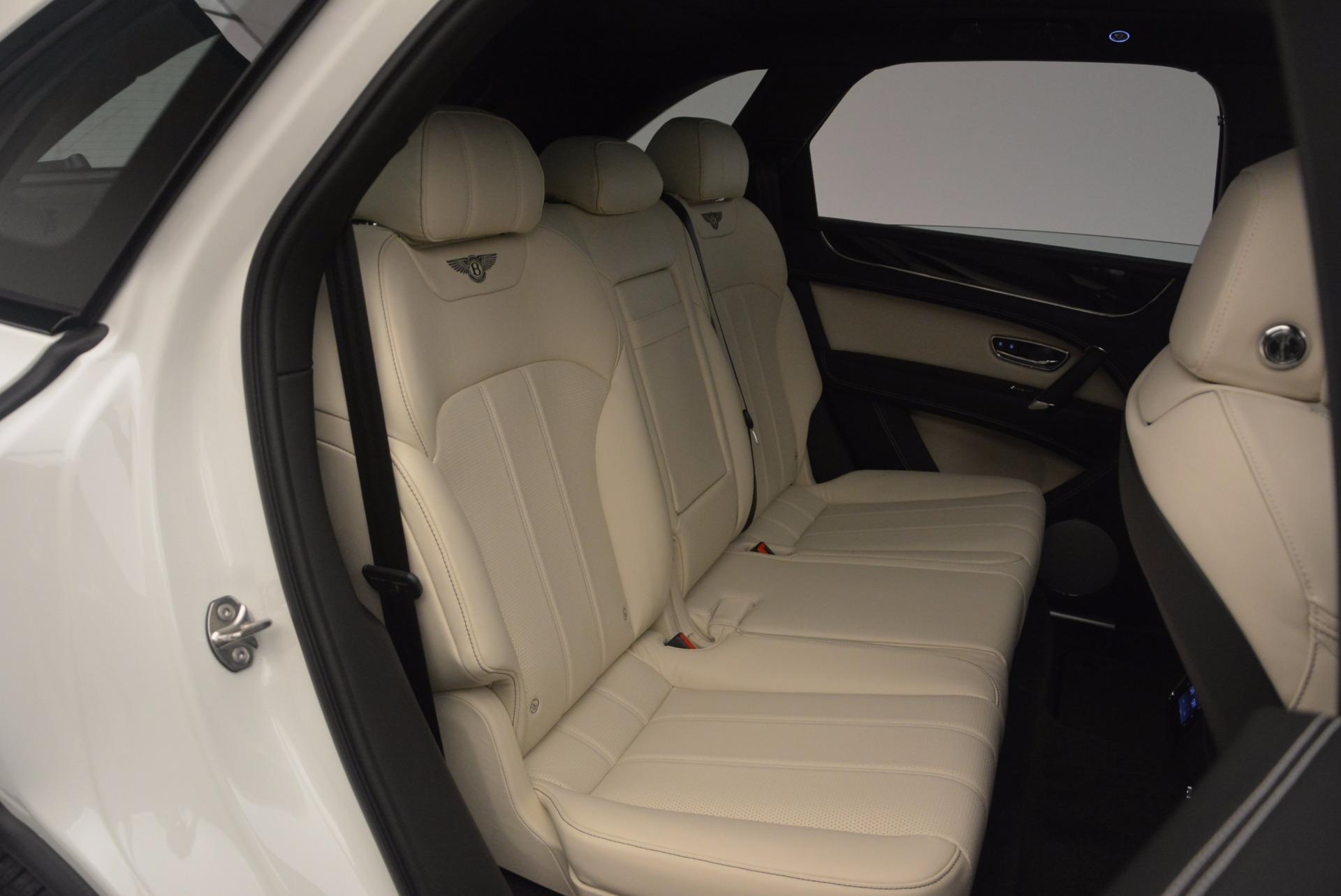 Used 2018 Bentley Bentayga Onyx For Sale In Greenwich, CT. Alfa Romeo of Greenwich, 7485 1549_p26
