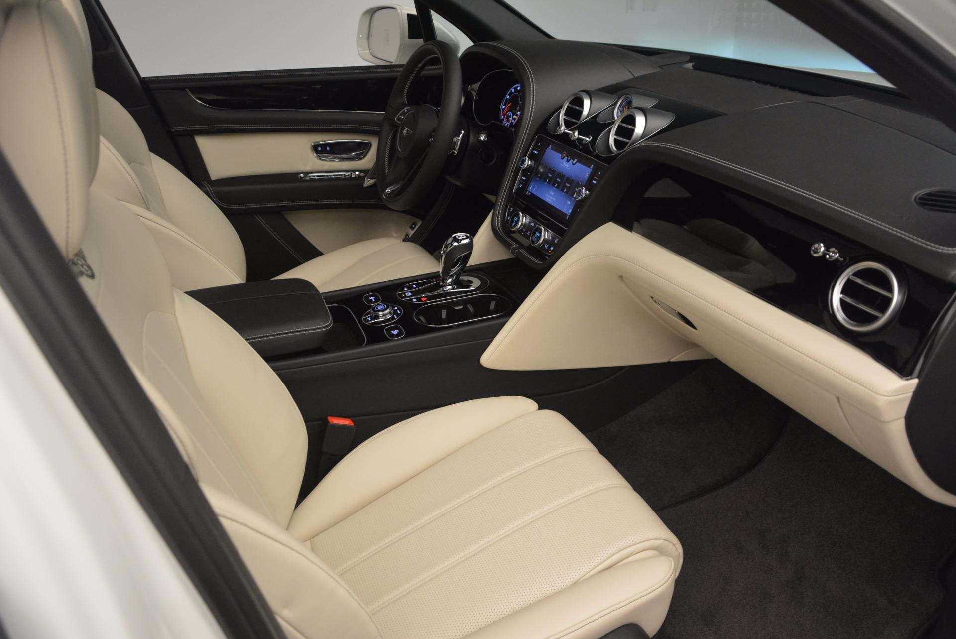 Used 2018 Bentley Bentayga Onyx For Sale In Greenwich, CT. Alfa Romeo of Greenwich, 7485 1549_p27