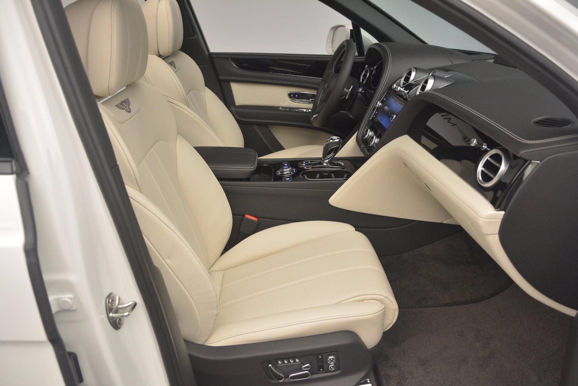 Used 2018 Bentley Bentayga Onyx For Sale In Greenwich, CT. Alfa Romeo of Greenwich, 7485 1549_p28