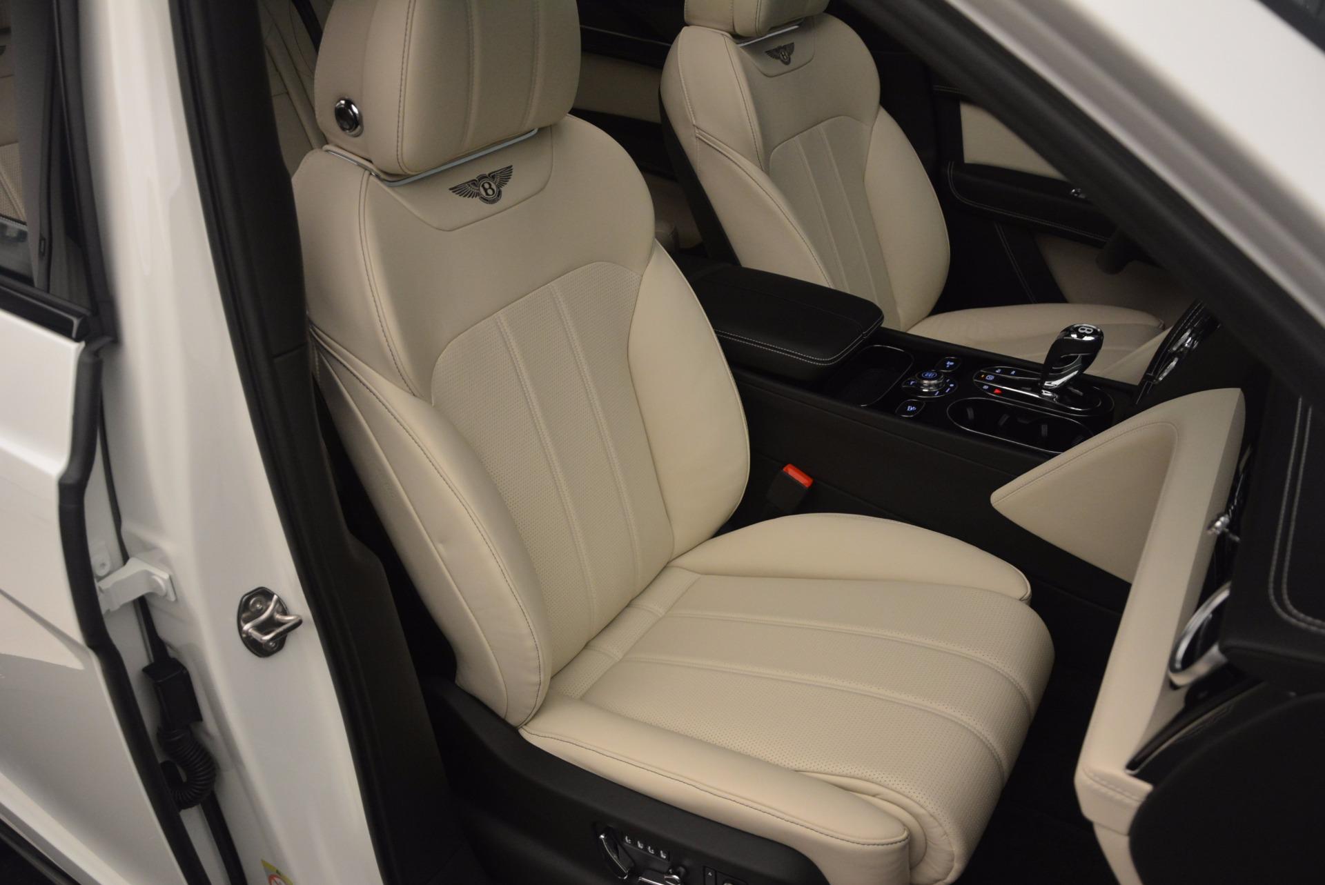 Used 2018 Bentley Bentayga Onyx For Sale In Greenwich, CT. Alfa Romeo of Greenwich, 7485 1549_p29
