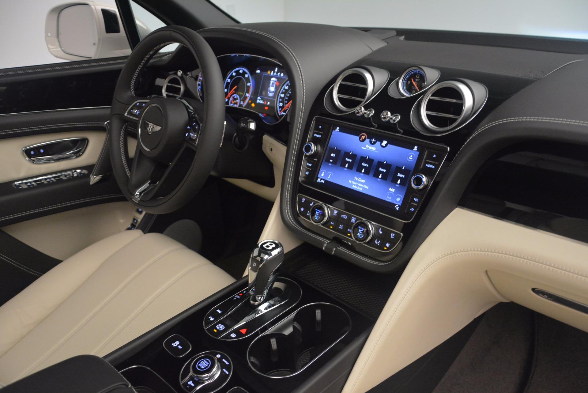 Used 2018 Bentley Bentayga Onyx For Sale In Greenwich, CT. Alfa Romeo of Greenwich, 7485 1549_p30
