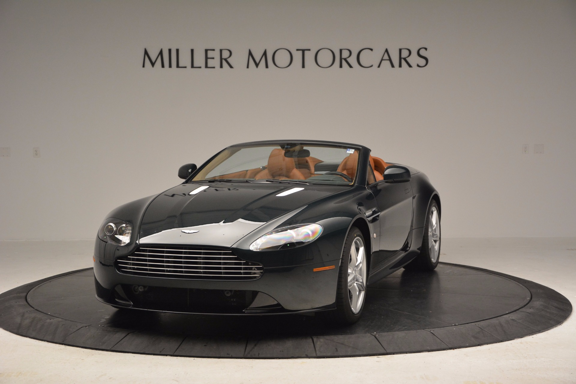 Used 2016 Aston Martin V8 Vantage S Roadster For Sale In Greenwich, CT. Alfa Romeo of Greenwich, A1183A 1550_main