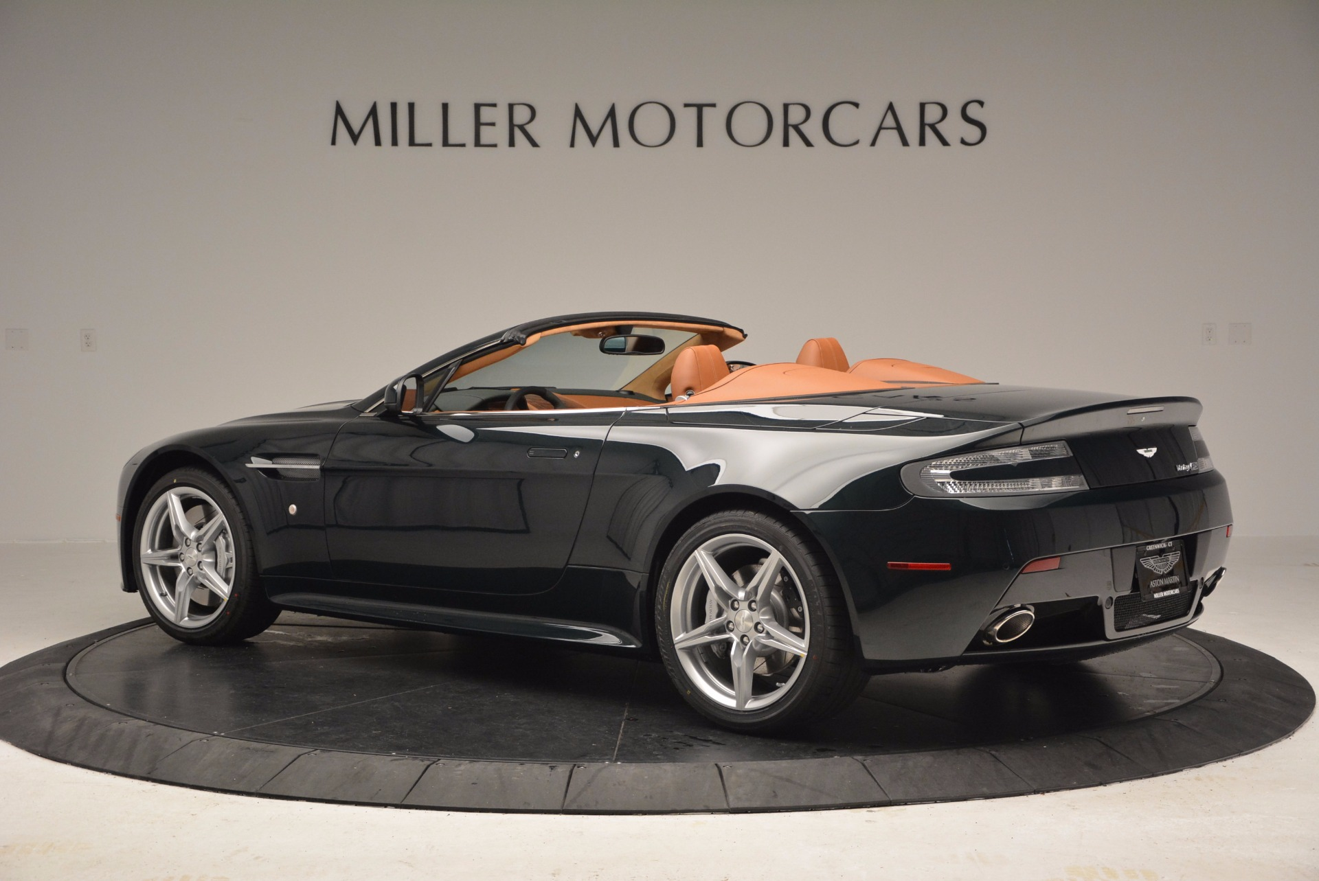 Used 2016 Aston Martin V8 Vantage S Roadster For Sale In Greenwich, CT. Alfa Romeo of Greenwich, A1183A 1550_p4