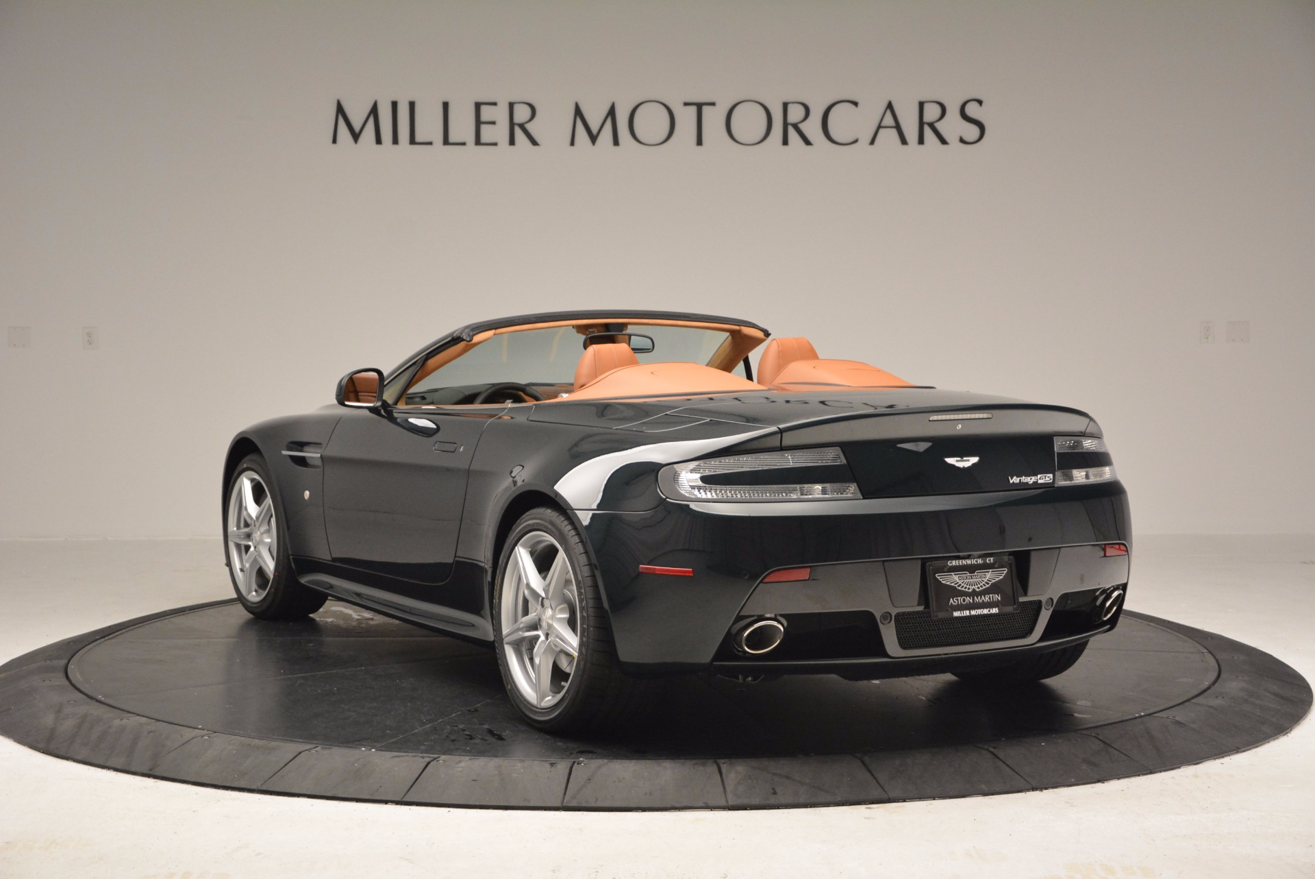 Used 2016 Aston Martin V8 Vantage S Roadster For Sale In Greenwich, CT. Alfa Romeo of Greenwich, A1183A 1550_p5