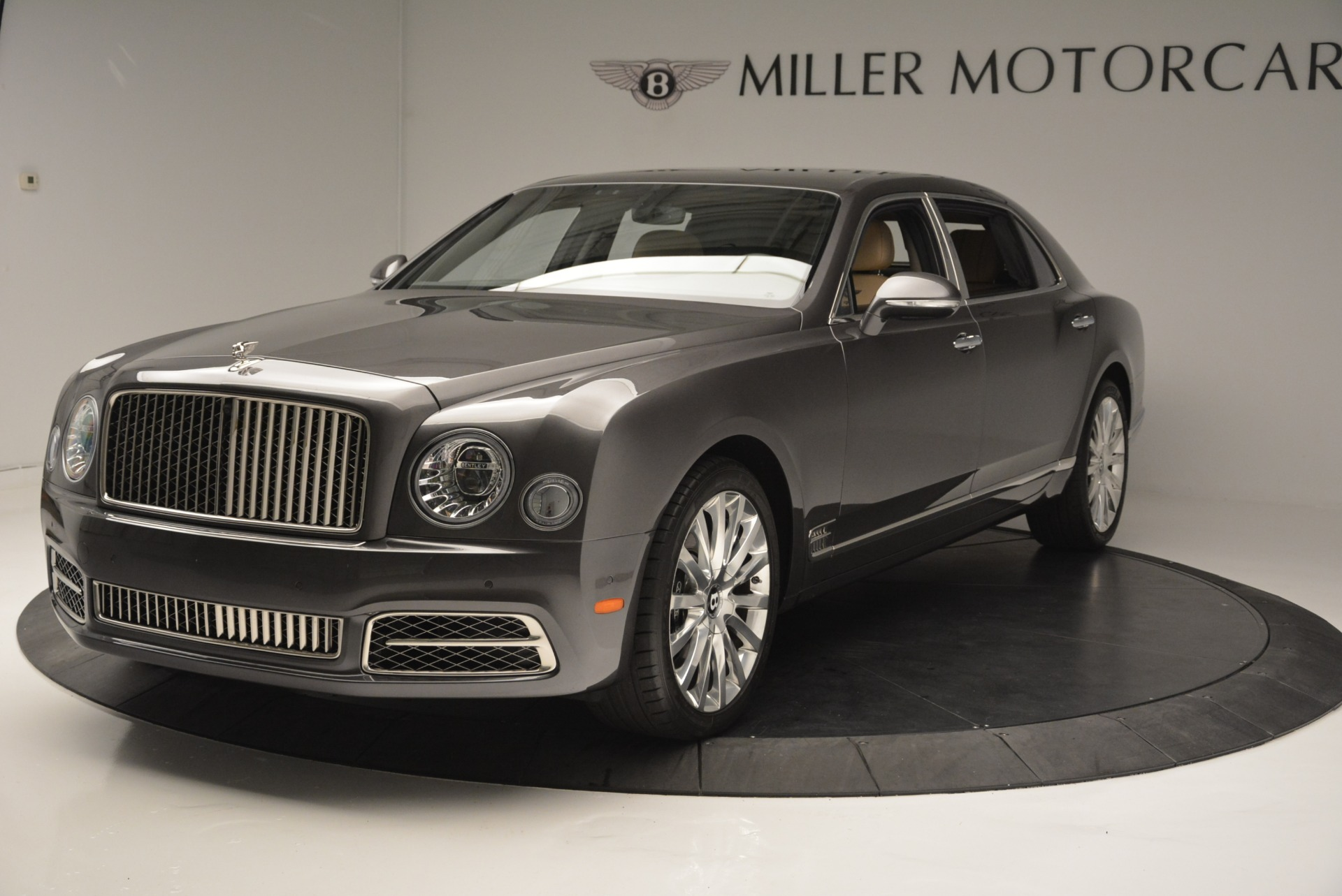 Used 2017 Bentley Mulsanne EWB For Sale In Greenwich, CT. Alfa Romeo of Greenwich, 03335