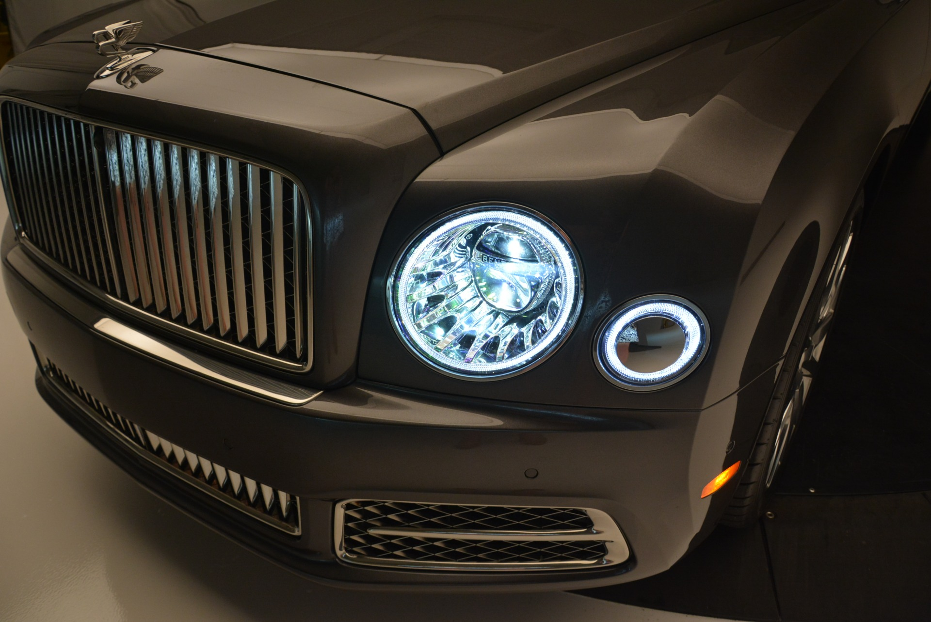 Used 2017 Bentley Mulsanne EWB For Sale In Greenwich, CT. Alfa Romeo of Greenwich, 03335 1554_p5