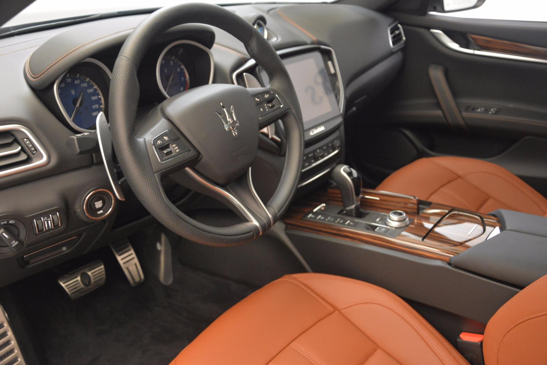 New 2018 Maserati Ghibli S Q4 Gransport For Sale In Greenwich, CT. Alfa Romeo of Greenwich, M1941 1562_p13