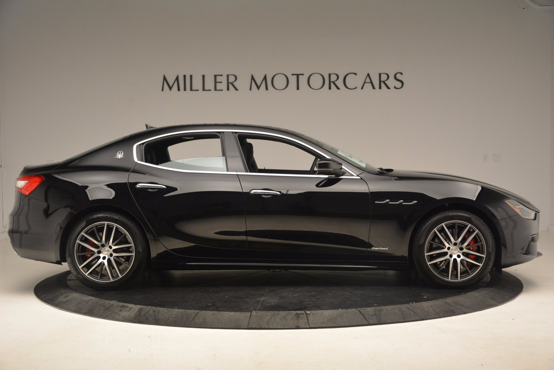 Used 2018 Maserati Ghibli S Q4 Gransport For Sale $89400 In Greenwich, CT 1568_p9