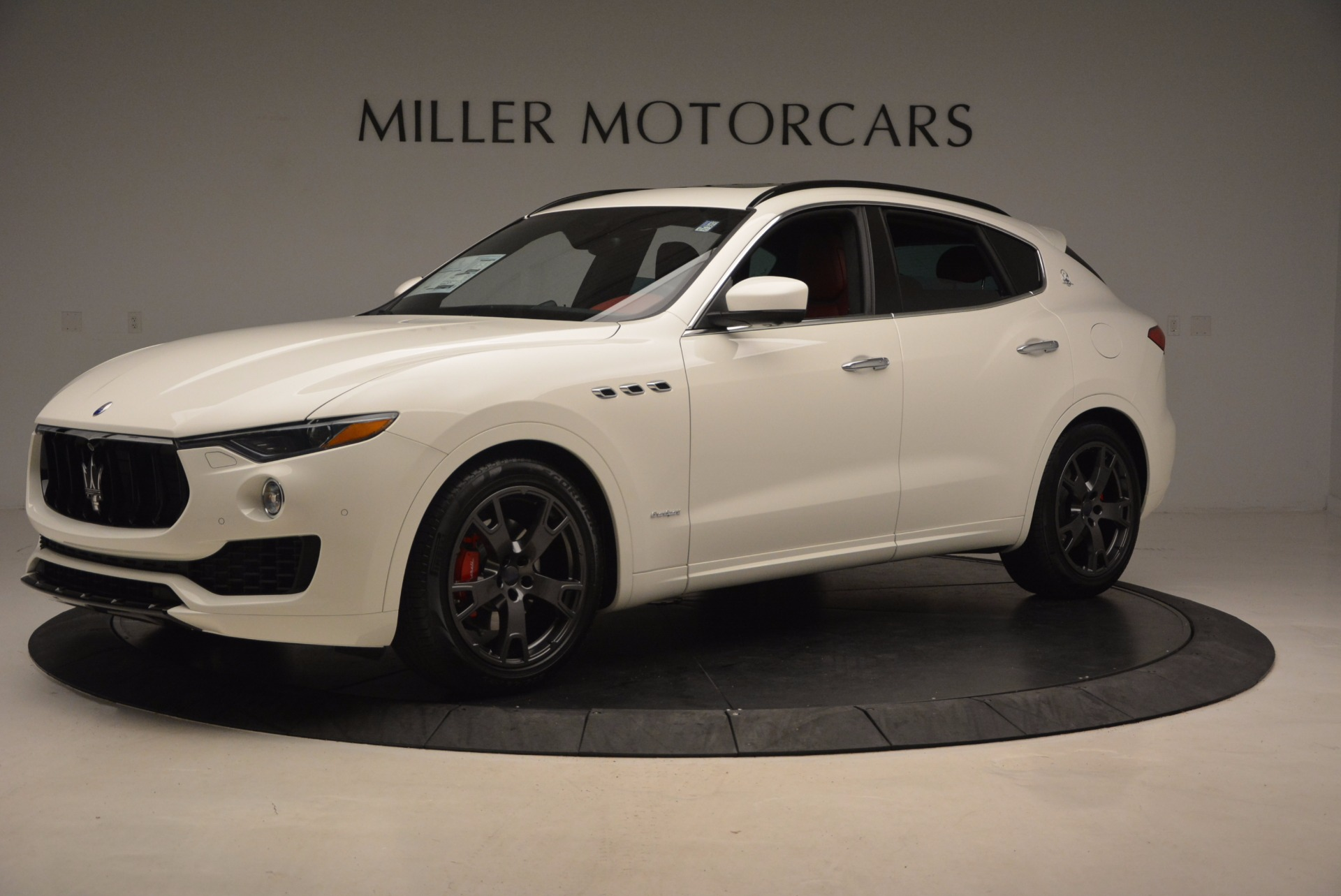 New 2018 Maserati Levante Q4 GranSport For Sale In Greenwich, CT. Alfa Romeo of Greenwich, W504 1570_p2