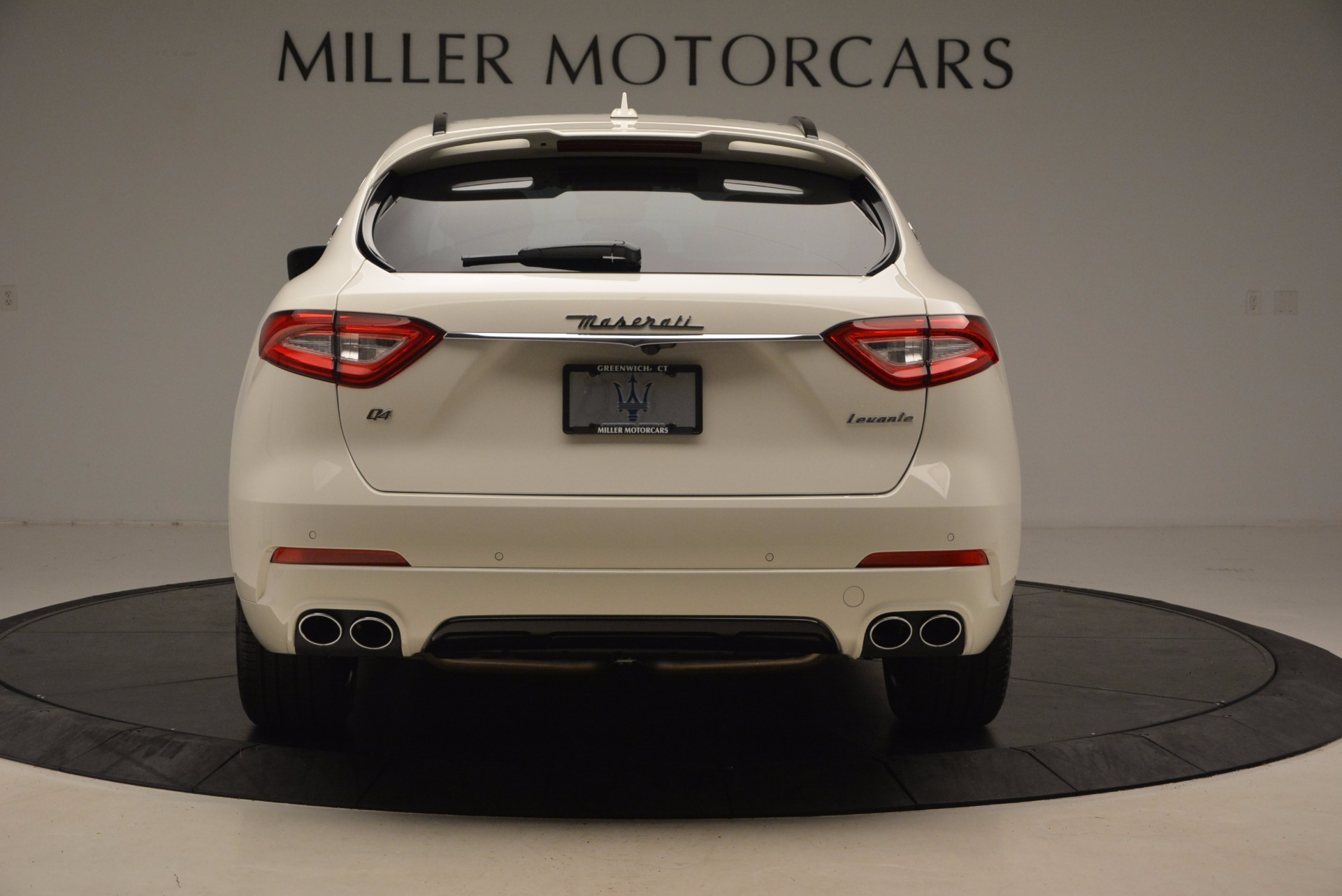 New 2018 Maserati Levante Q4 GranSport For Sale In Greenwich, CT. Alfa Romeo of Greenwich, W504 1570_p6