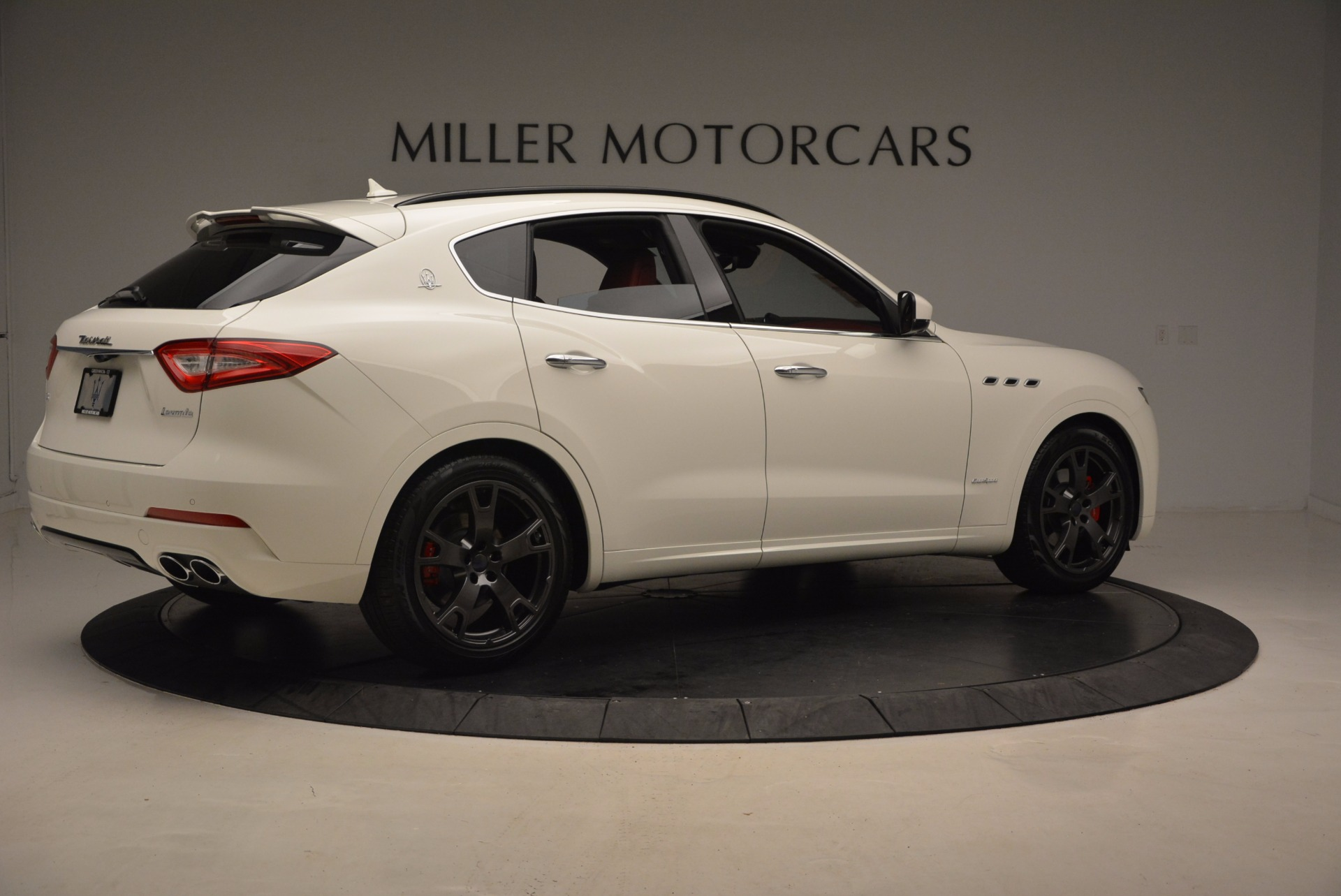 New 2018 Maserati Levante Q4 GranSport For Sale In Greenwich, CT. Alfa Romeo of Greenwich, W504 1570_p8