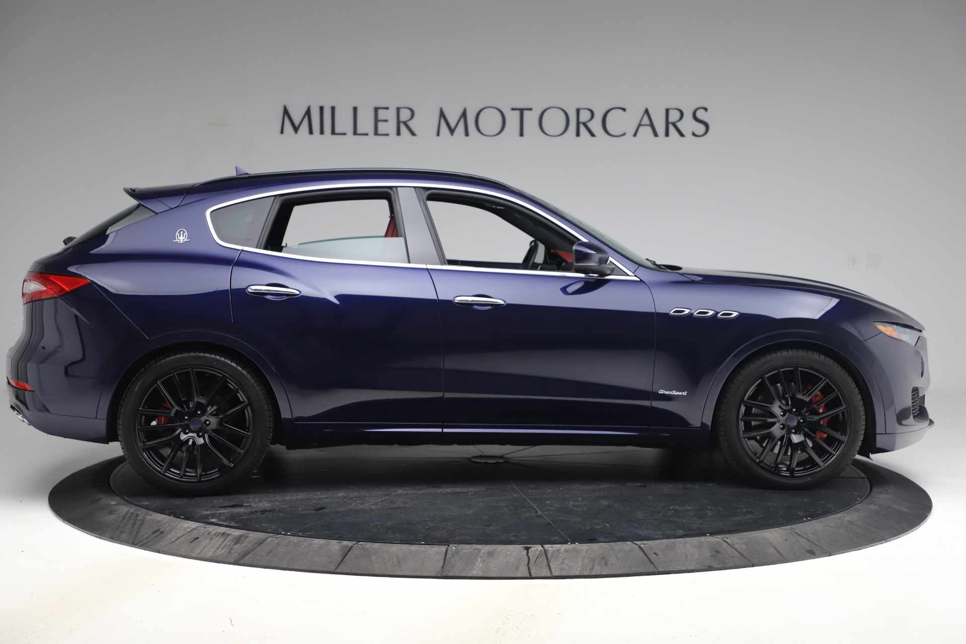 New 2018 Maserati Levante S GranSport For Sale In Greenwich, CT. Alfa Romeo of Greenwich, M1927 1575_p10
