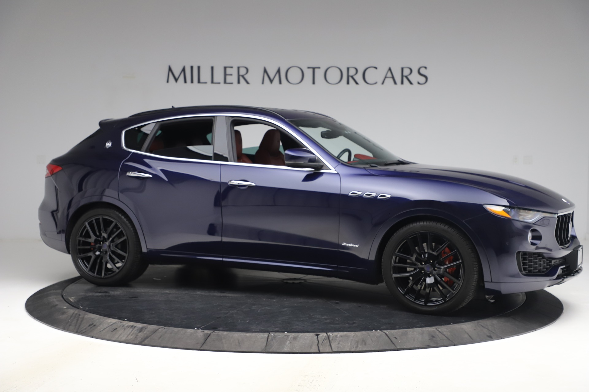 New 2018 Maserati Levante S GranSport For Sale In Greenwich, CT. Alfa Romeo of Greenwich, M1927 1575_p11