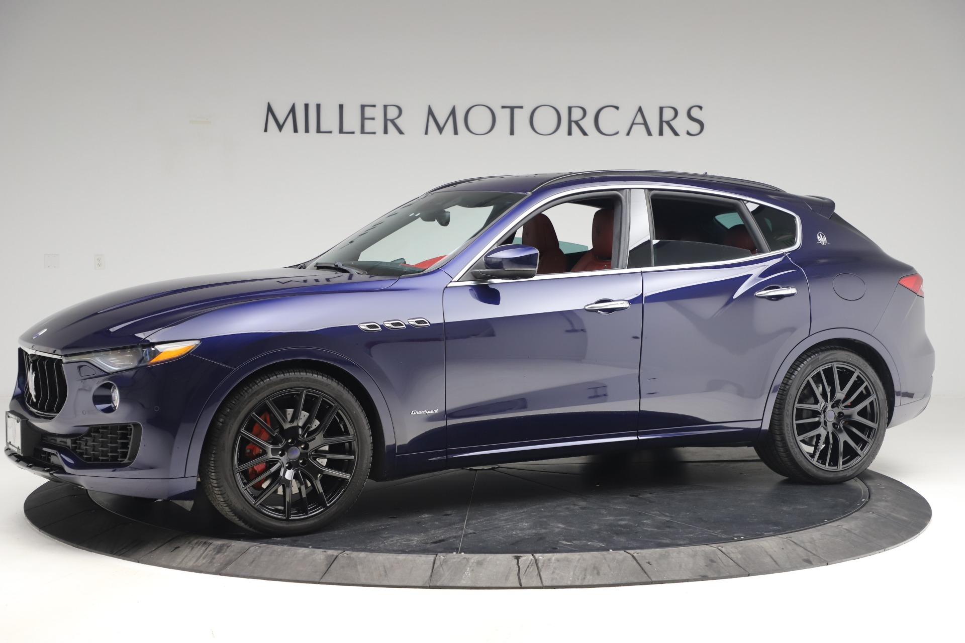 New 2018 Maserati Levante S GranSport For Sale In Greenwich, CT. Alfa Romeo of Greenwich, M1927 1575_p3