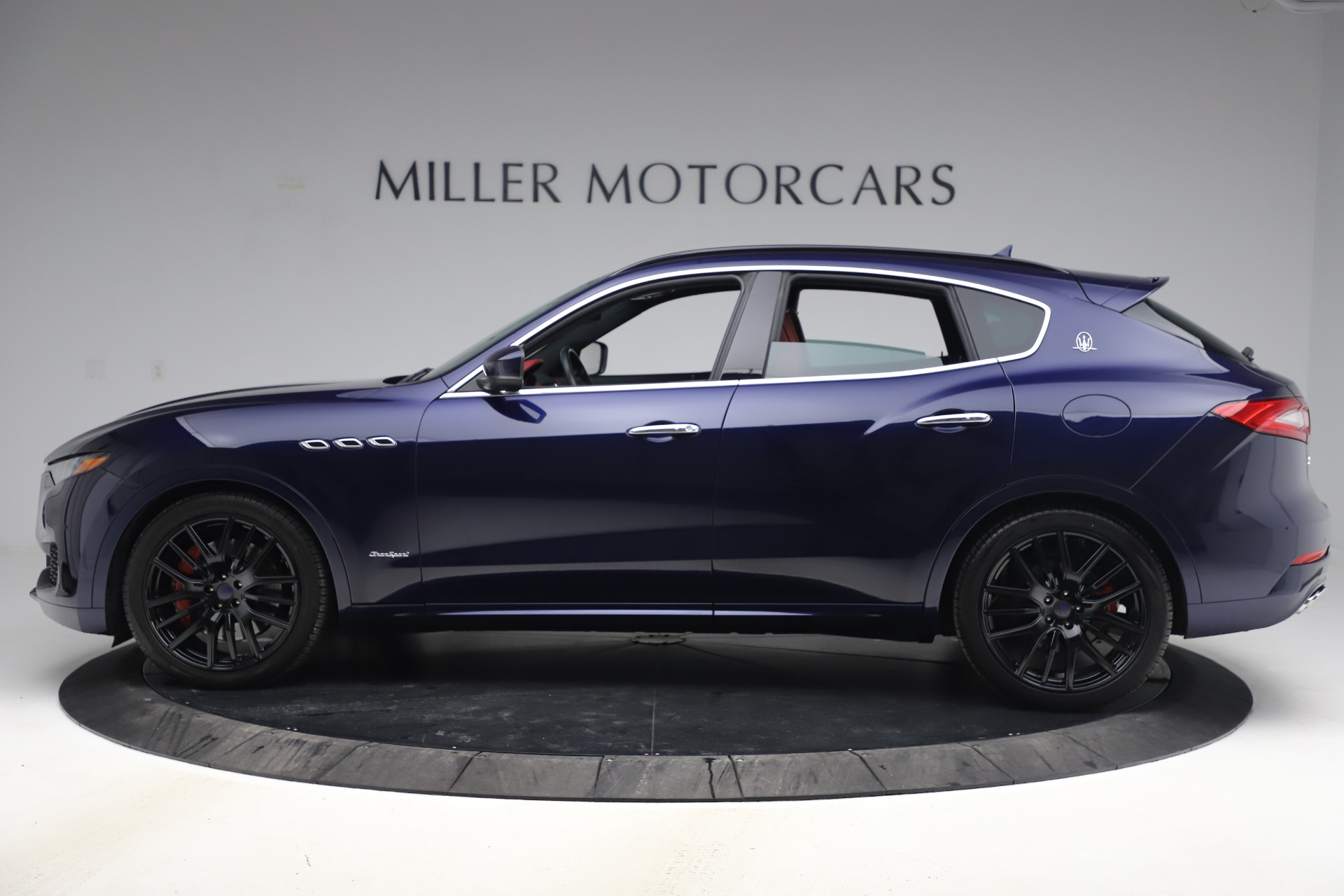New 2018 Maserati Levante S GranSport For Sale In Greenwich, CT. Alfa Romeo of Greenwich, M1927 1575_p4