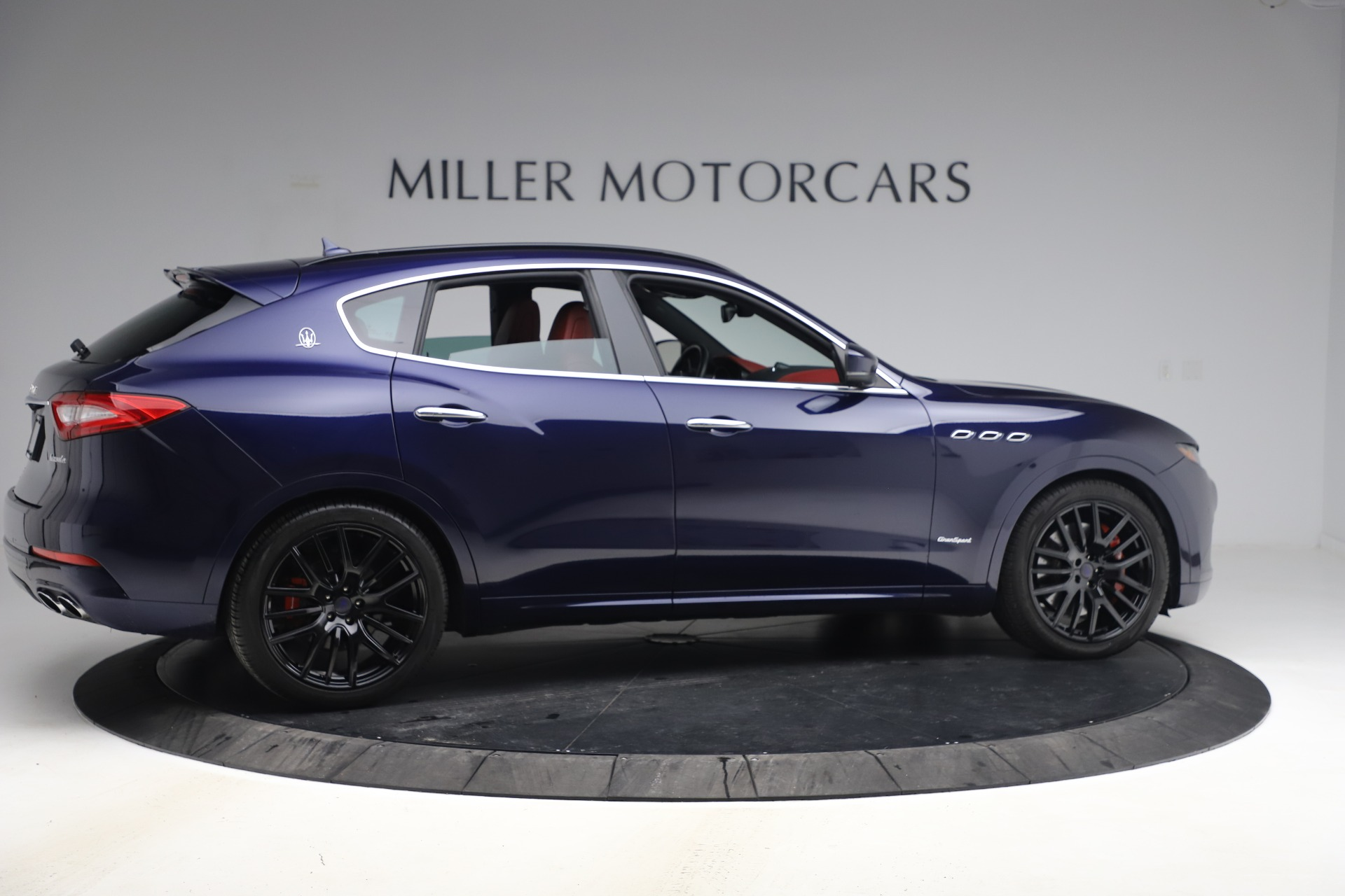 New 2018 Maserati Levante S GranSport For Sale In Greenwich, CT. Alfa Romeo of Greenwich, M1927 1575_p9