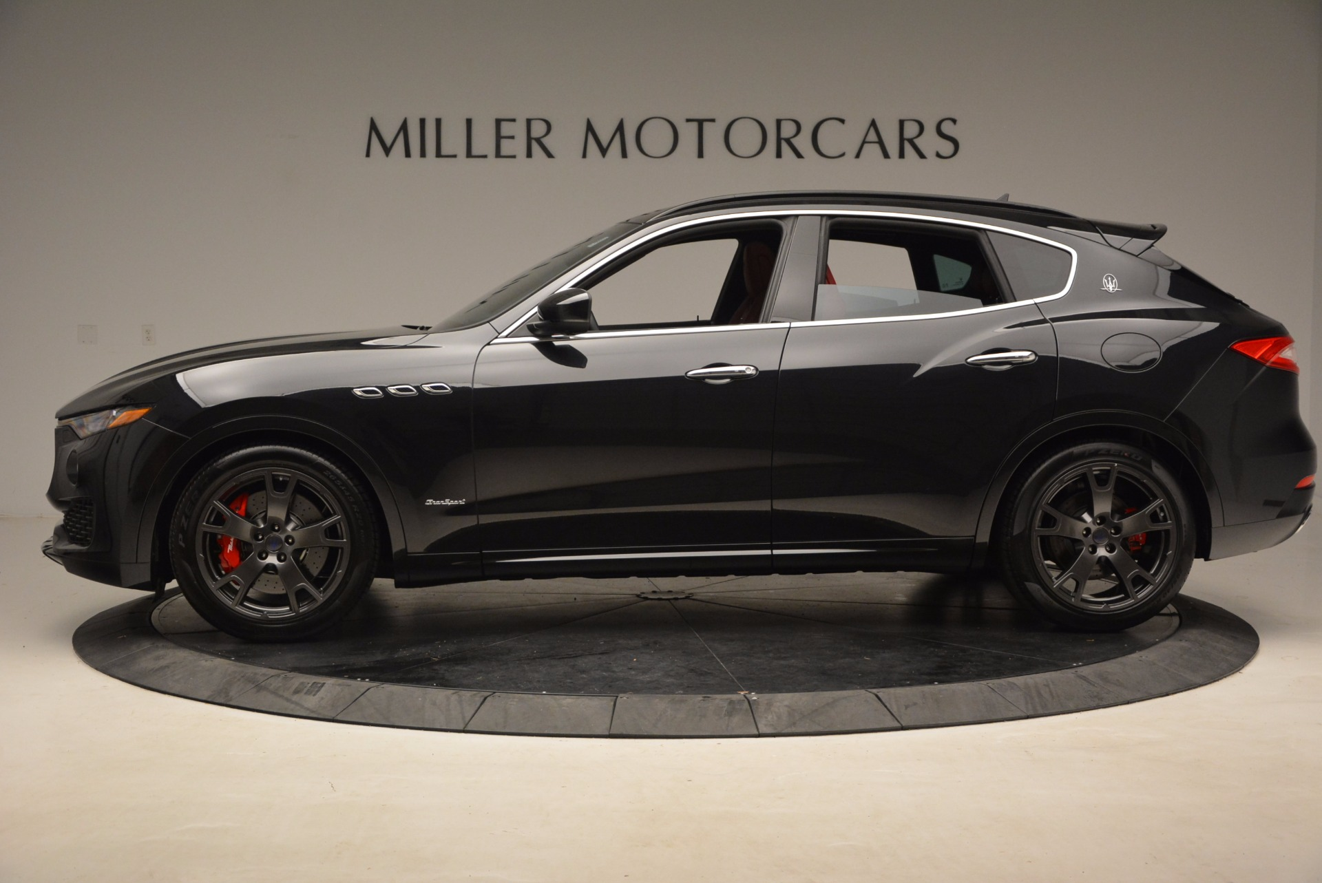 New 2018 Maserati Levante Q4 GranSport For Sale In Greenwich, CT. Alfa Romeo of Greenwich, M1929 1577_p3